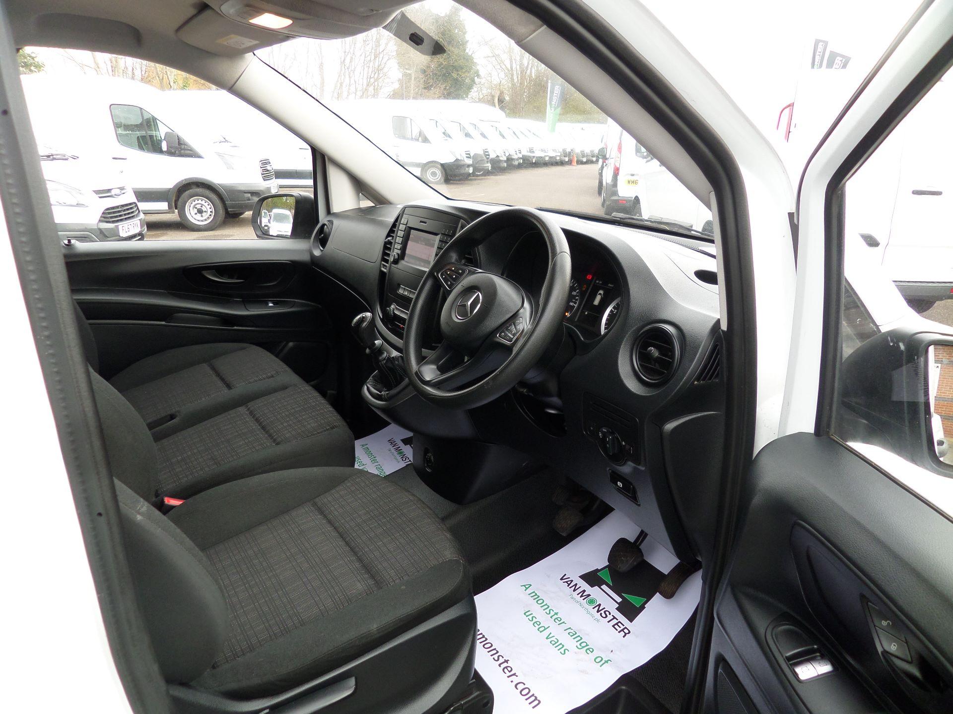 2017 Mercedes-Benz Vito 111Cdi LWB Van Euro 6 (KN67UYU) Image 12