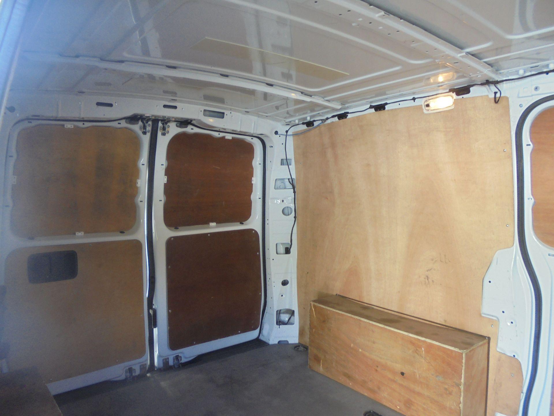 2017 Mercedes-Benz Vito 111Cdi Van (KN67UYW) Image 13