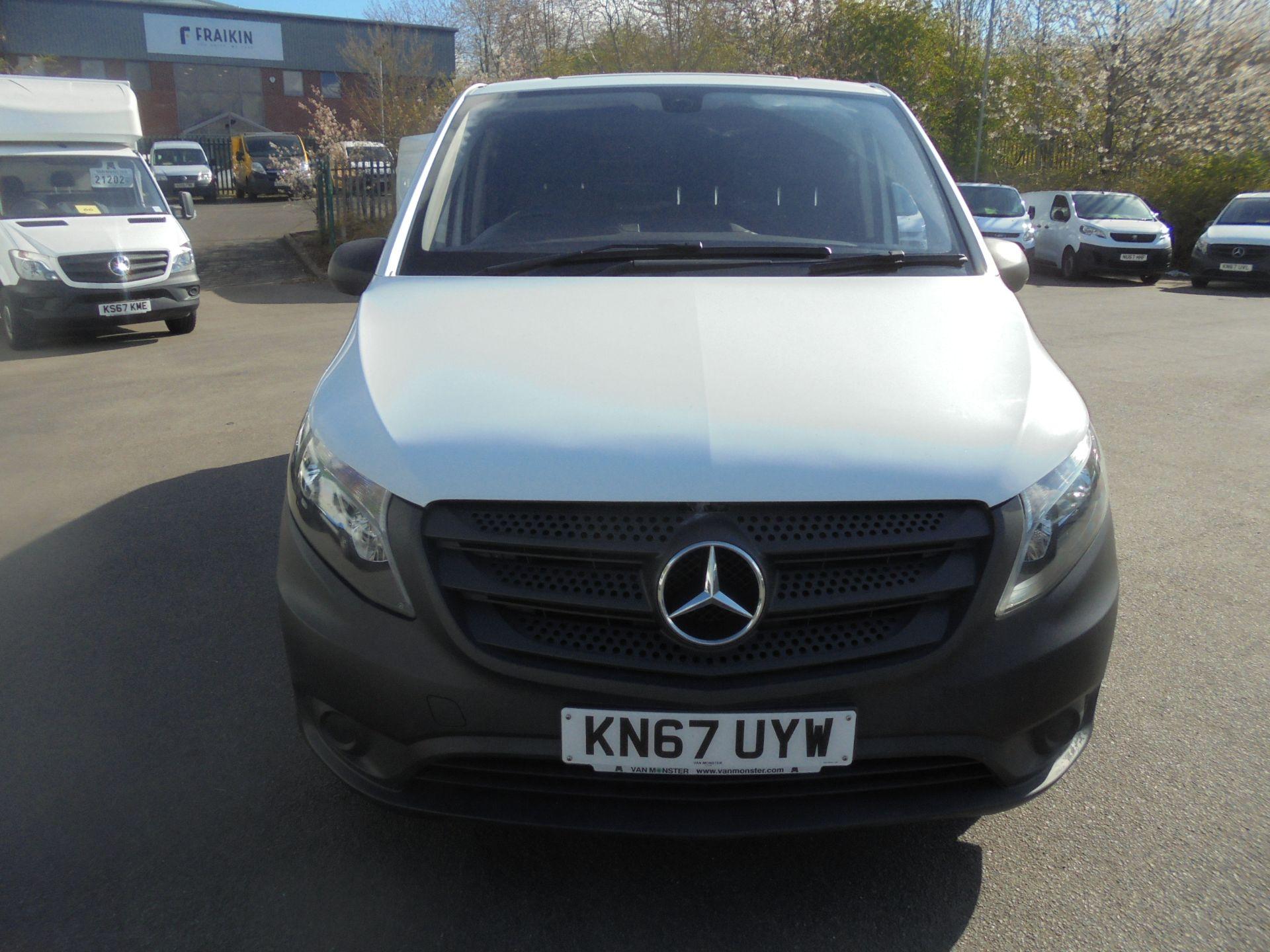 2017 Mercedes-Benz Vito 111Cdi Van (KN67UYW) Image 2
