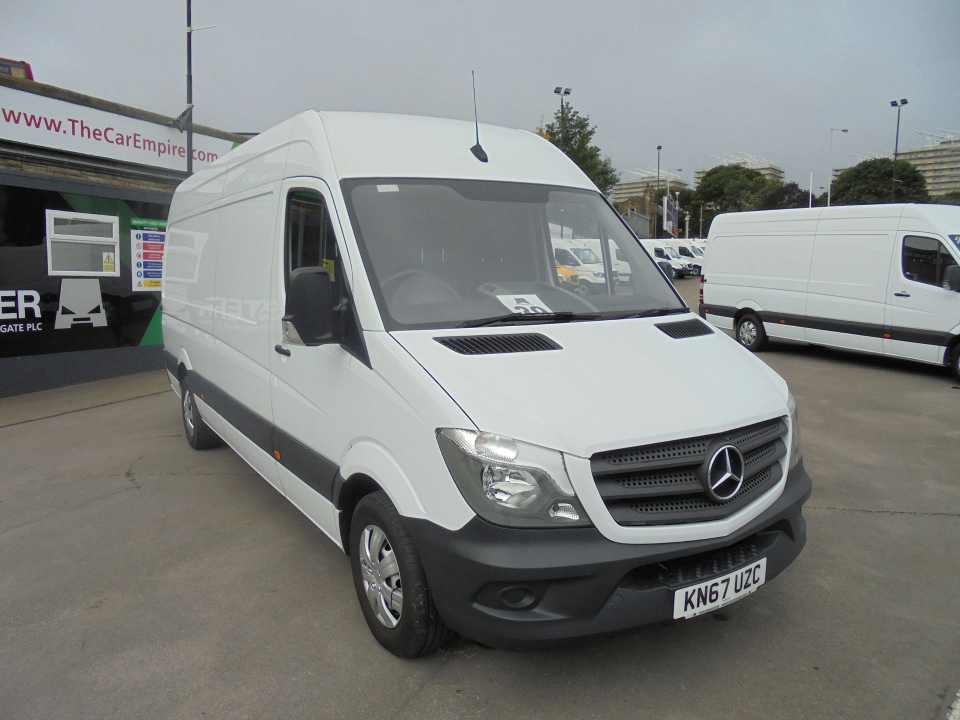 2017 Mercedes-Benz Sprinter 3.5T High Roof Van (KN67UZC)