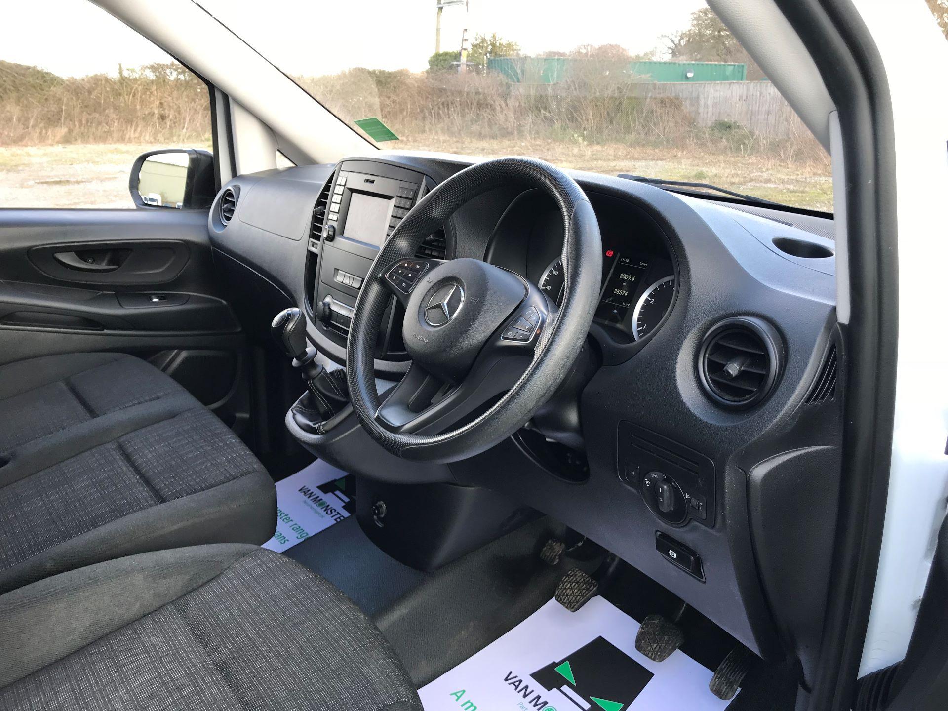 2017 Mercedes-Benz Vito LONG 111CDI VAN EURO 6  (KN67UZL) Image 17