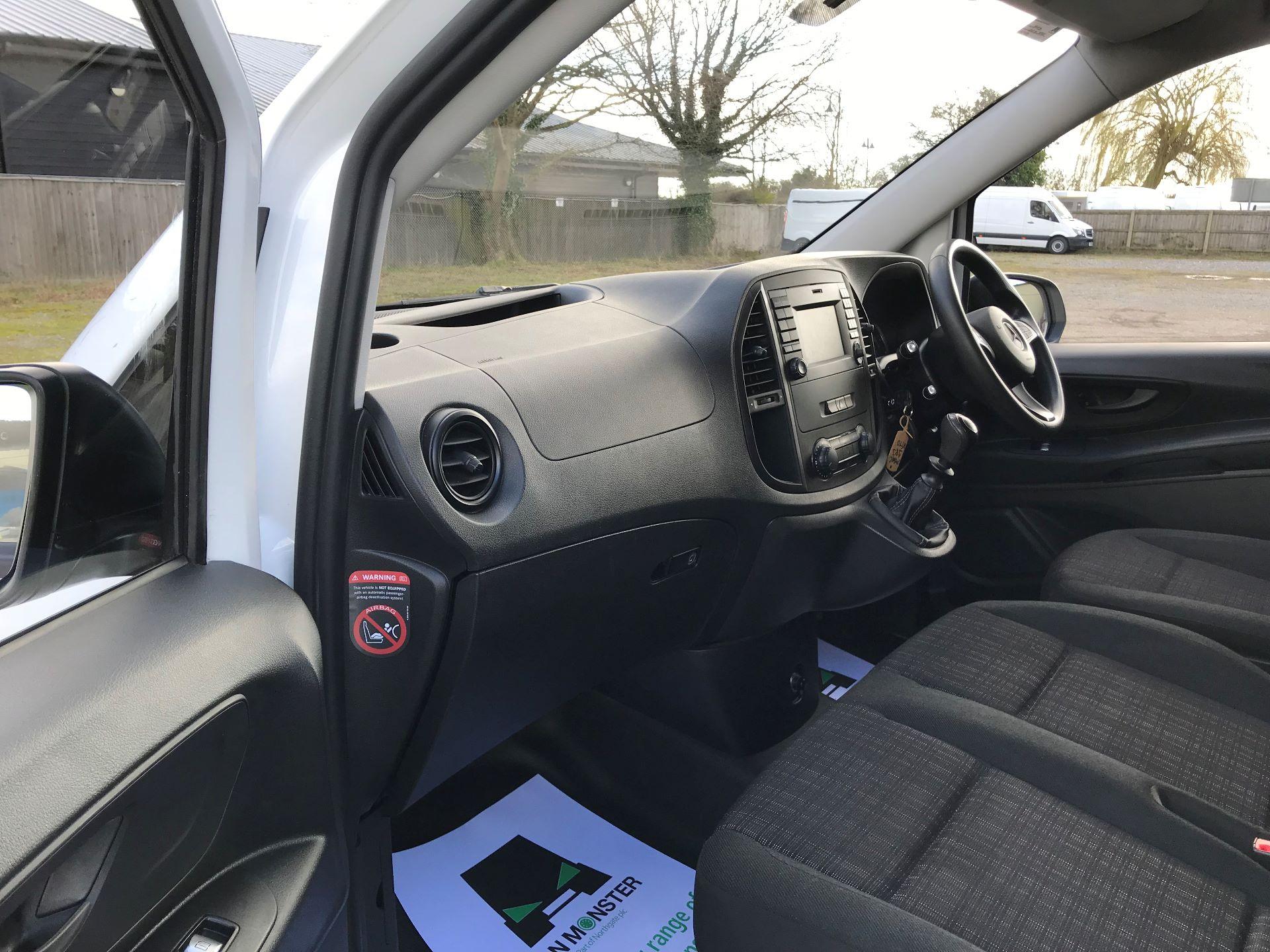 2017 Mercedes-Benz Vito LONG 111CDI VAN EURO 6  (KN67UZL) Image 15
