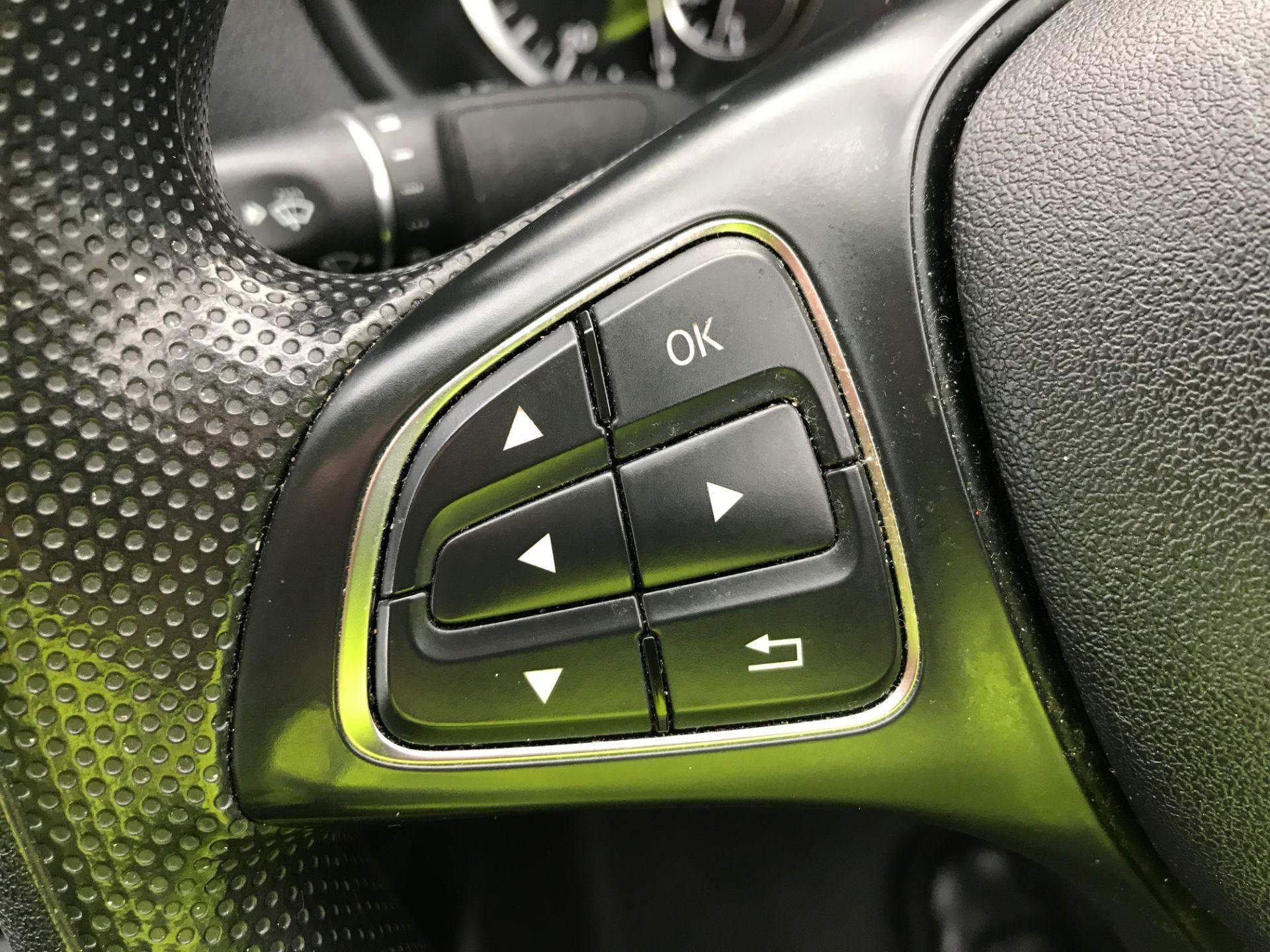 2017 Mercedes-Benz Vito 111CDI LWB 110PS EURO 5 (KN67VBO) Image 23
