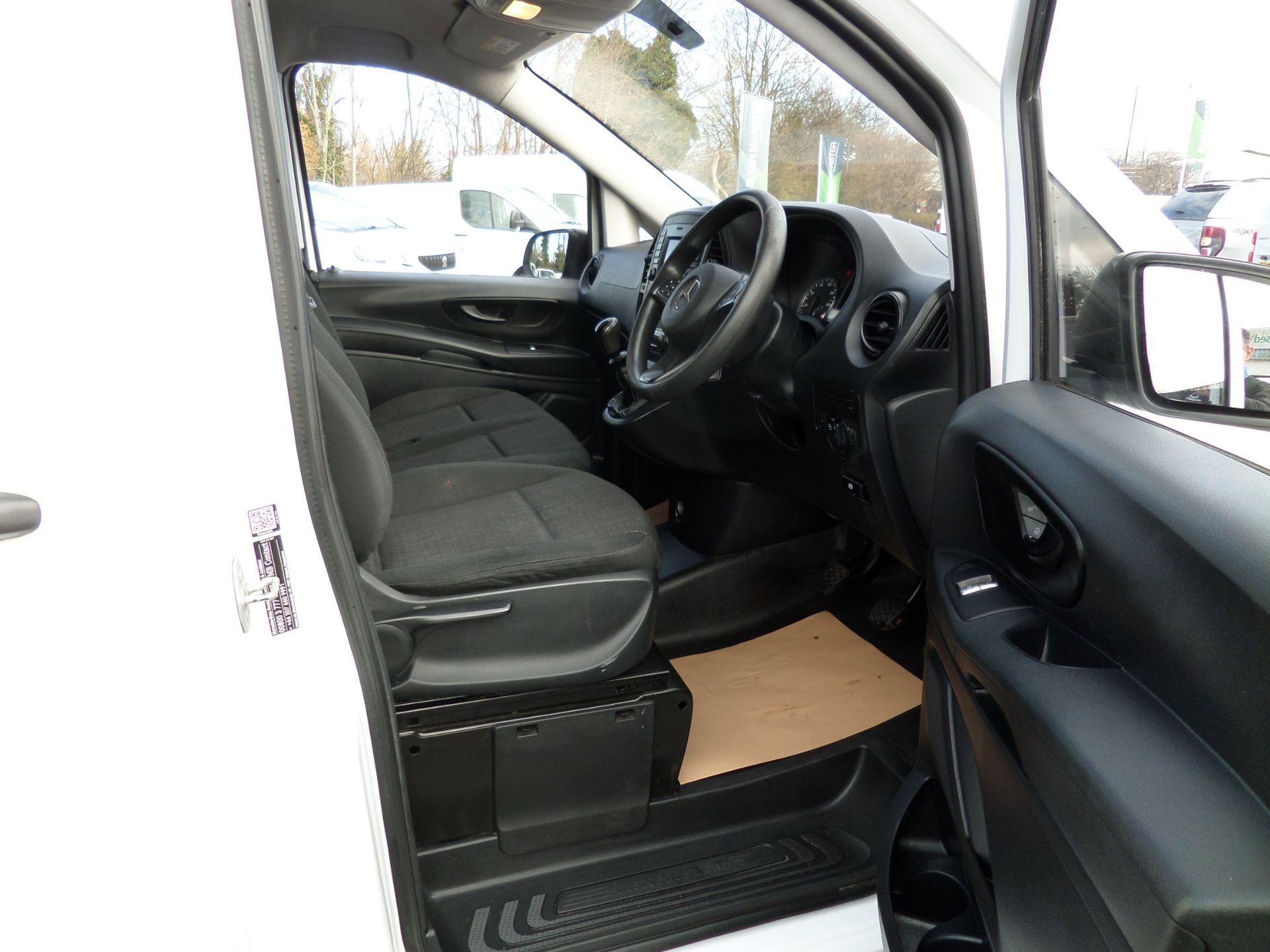 2017 Mercedes-Benz Vito 111Cdi Van LWB Euro 6 (KN67VDK) Image 11