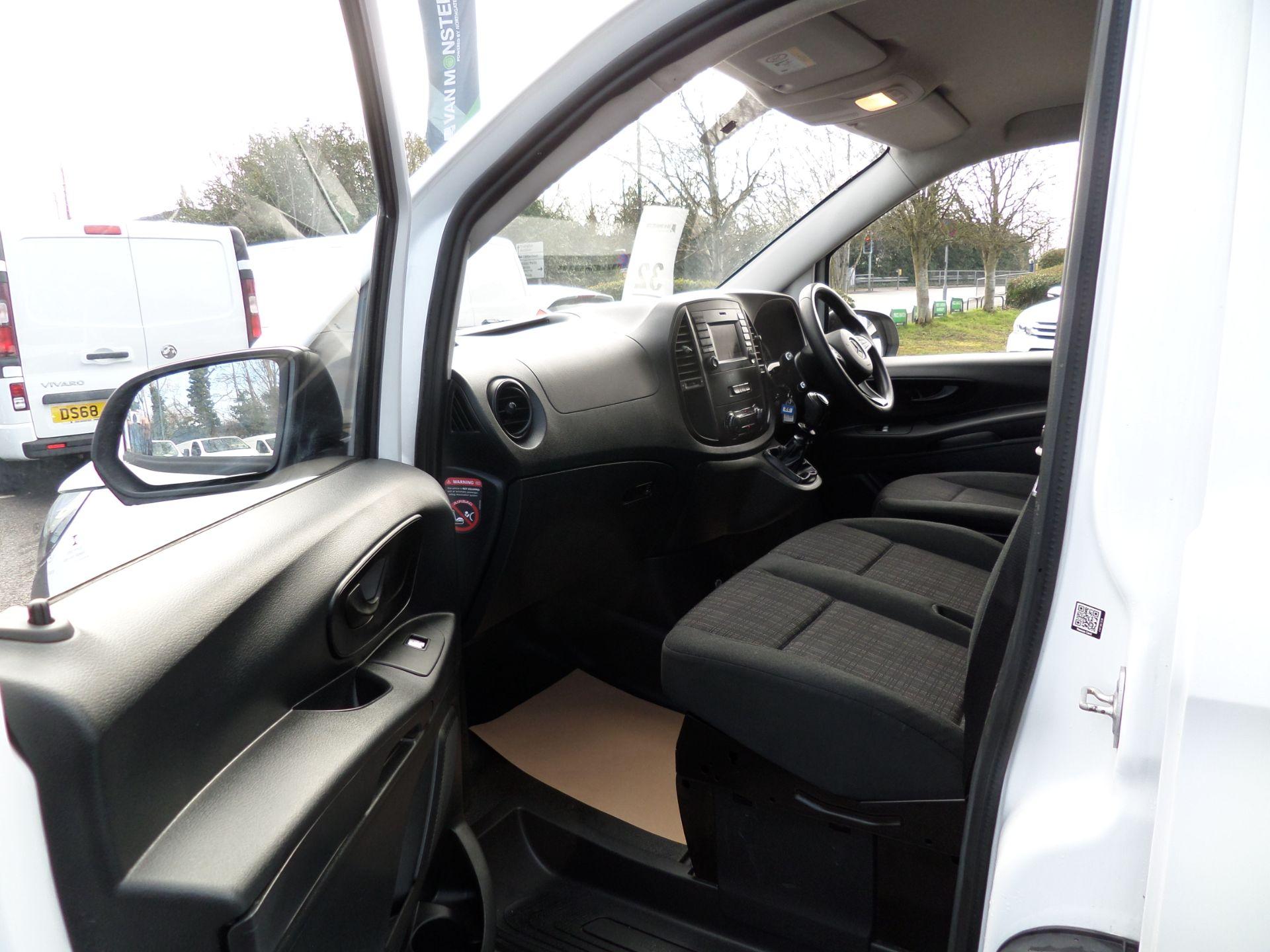 2017 Mercedes-Benz Vito 111Cdi Van LWB Euro 6 (KN67VDK) Image 8