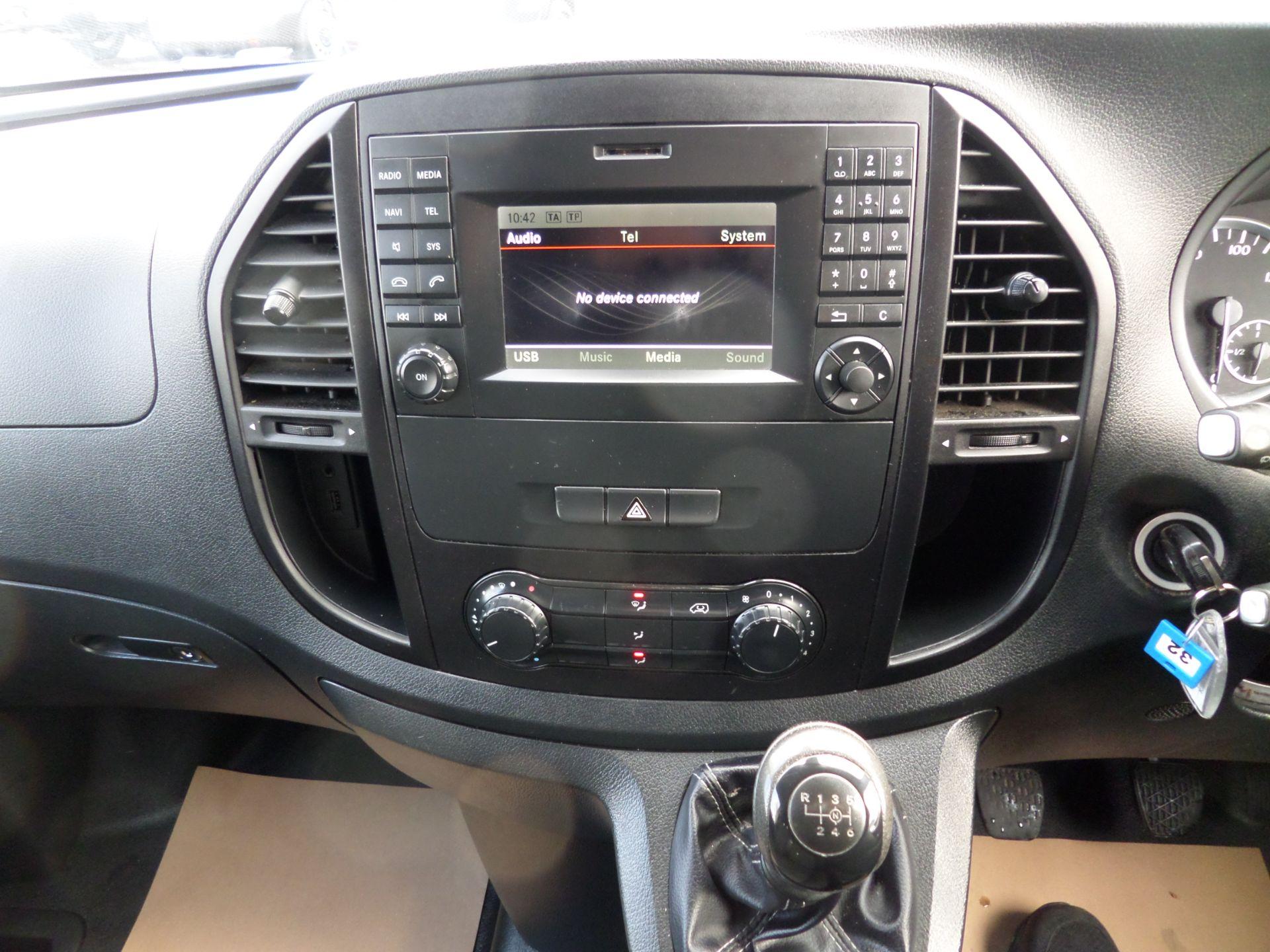 2017 Mercedes-Benz Vito 111Cdi Van LWB Euro 6 (KN67VDK) Image 12
