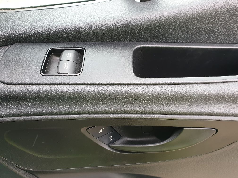 2018 Mercedes-Benz Sprinter 3.5T H2 Van EURO 6 (KO18HMV) Image 16