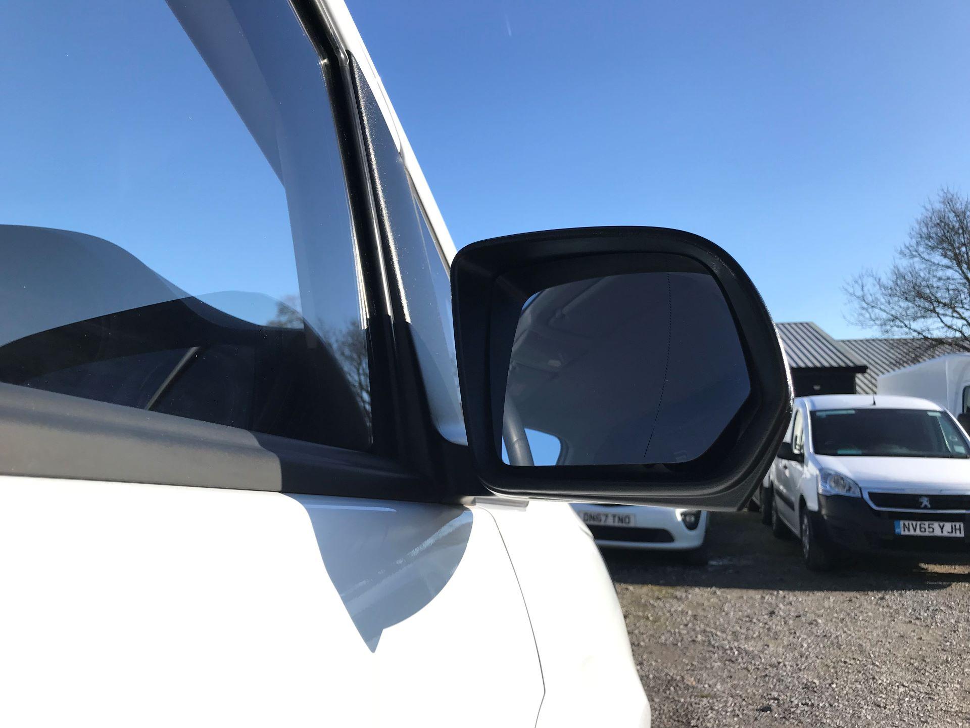 2019 Mercedes-Benz Vito 111Cdi Van (KO19ATU) Image 14