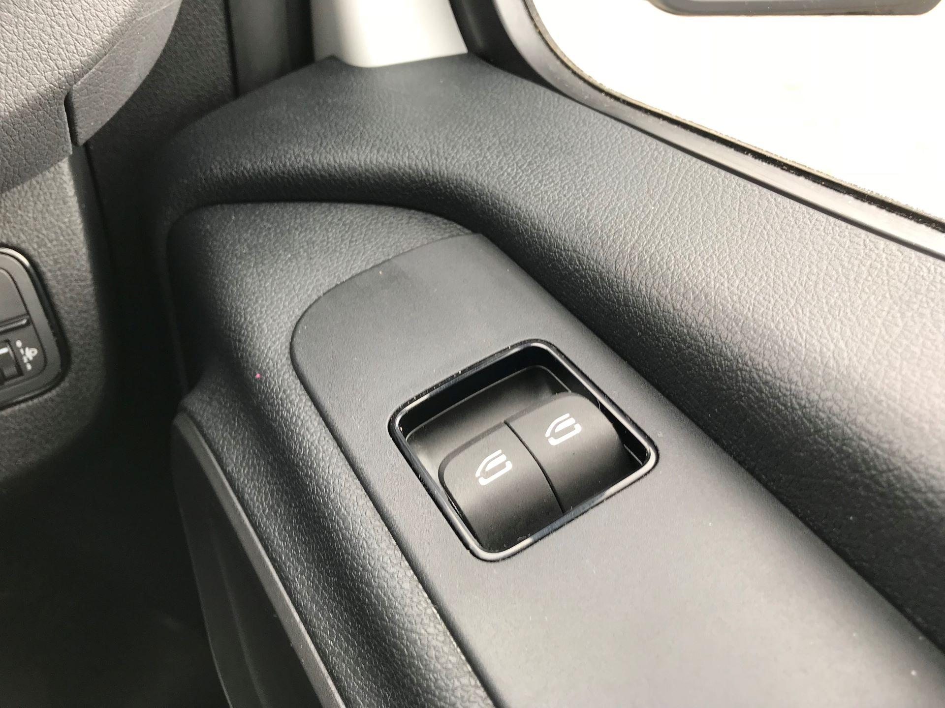 2019 Mercedes-Benz Sprinter 3.5T L2 H2 FWD Van (KO19ATV) Image 30