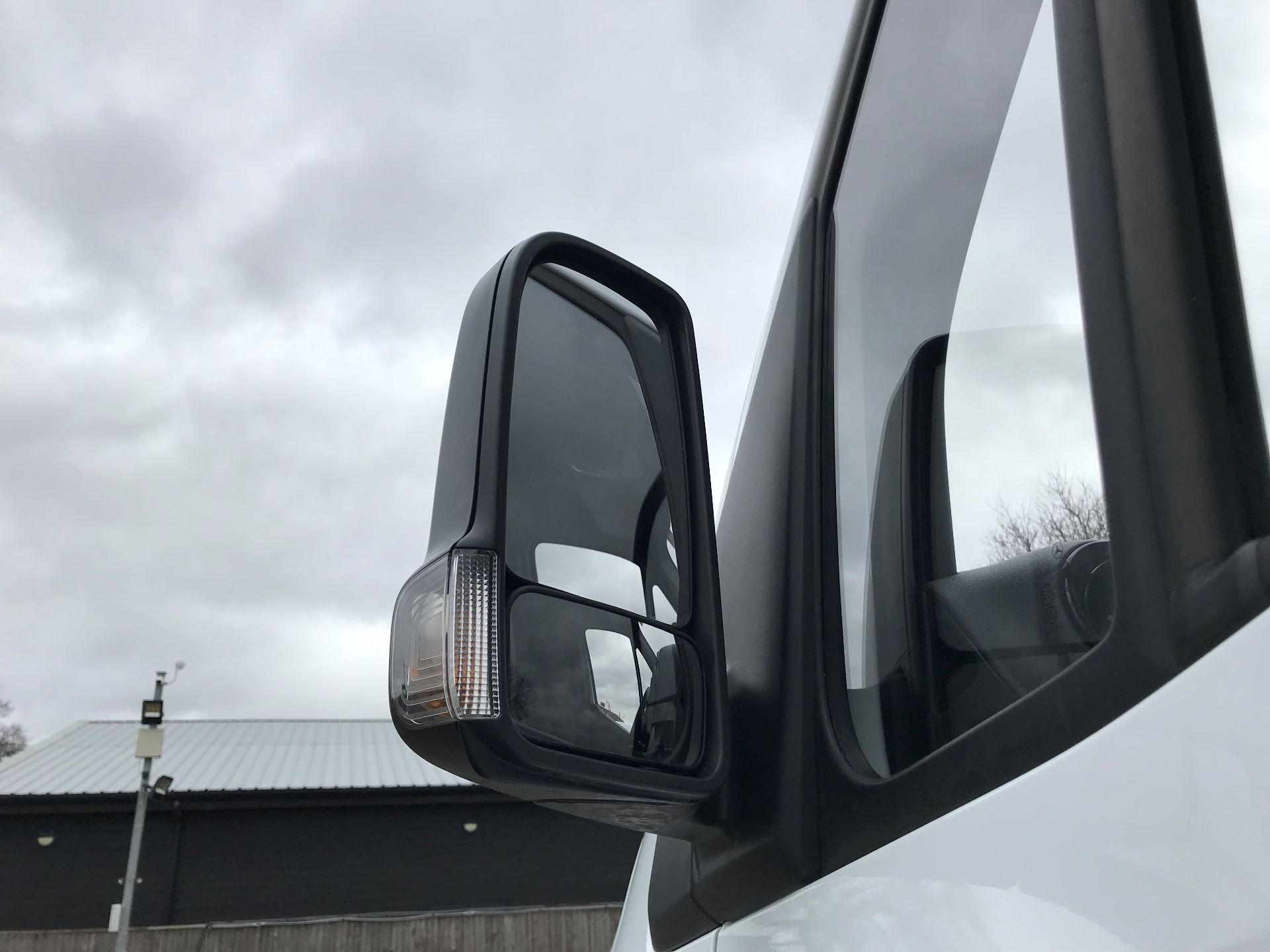 2019 Mercedes-Benz Sprinter 3.5T L2 H2 FWD Van (KO19ATV) Image 12
