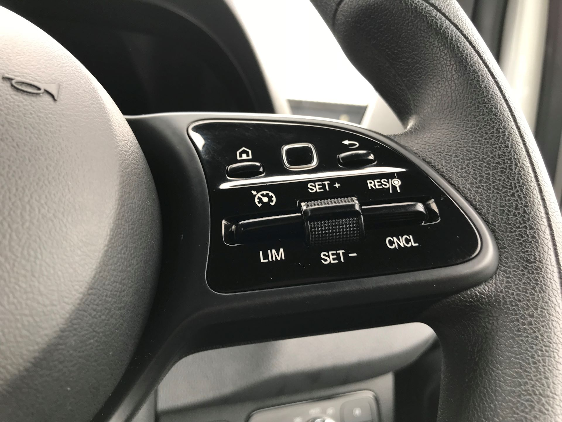 2019 Mercedes-Benz Sprinter 3.5T L2 H2 FWD Van (KO19ATV) Image 29