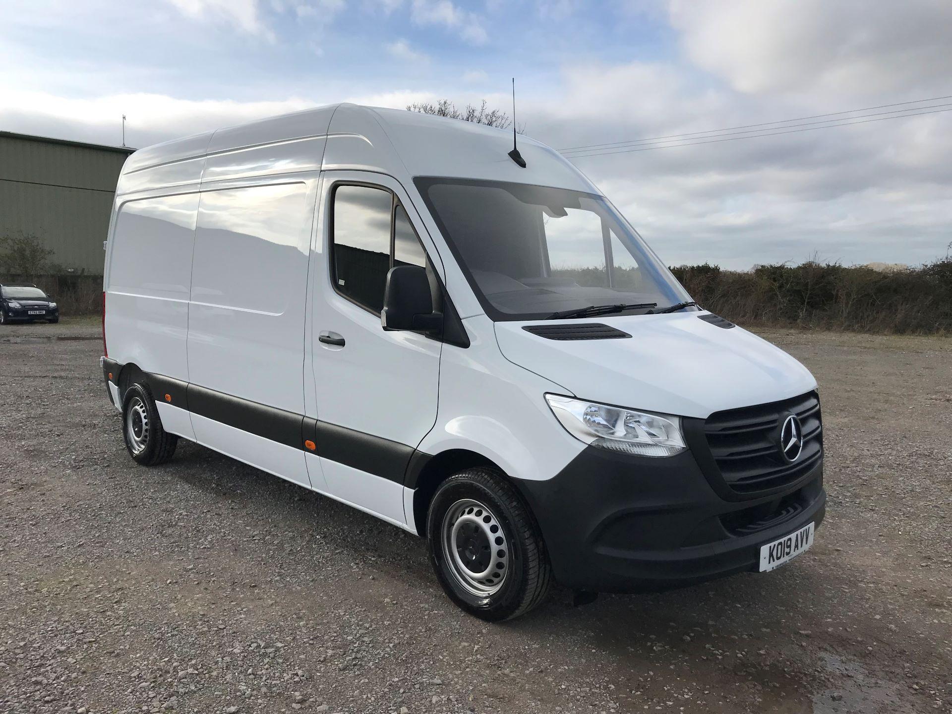 2019 Mercedes-Benz Sprinter 3.5T L2 H2 FWD Van (KO19AVV) Image 1