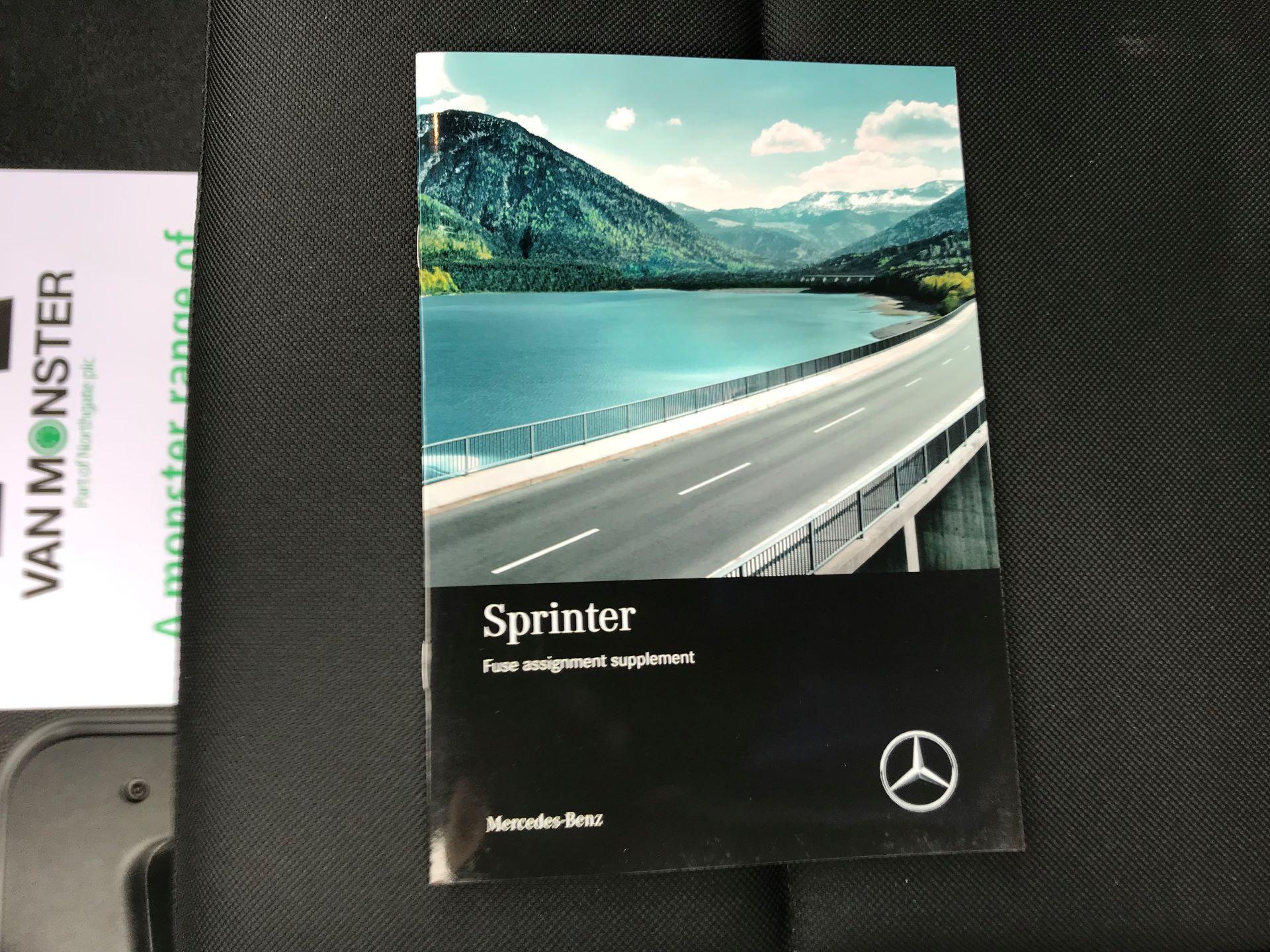 2019 Mercedes-Benz Sprinter 3.5T L2 H2 FWD Van (KO19AVV) Image 35