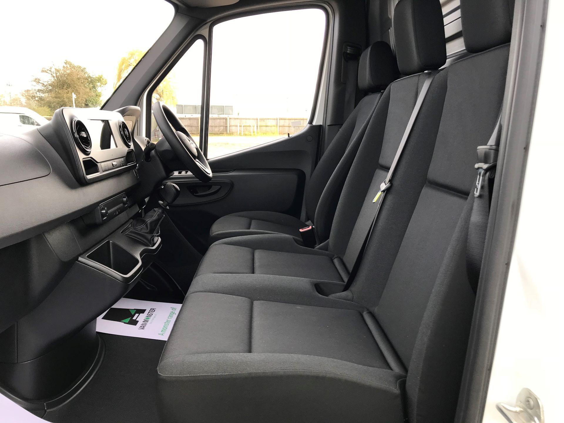2019 Mercedes-Benz Sprinter 3.5T L2 H2 FWD Van (KO19AVV) Image 14