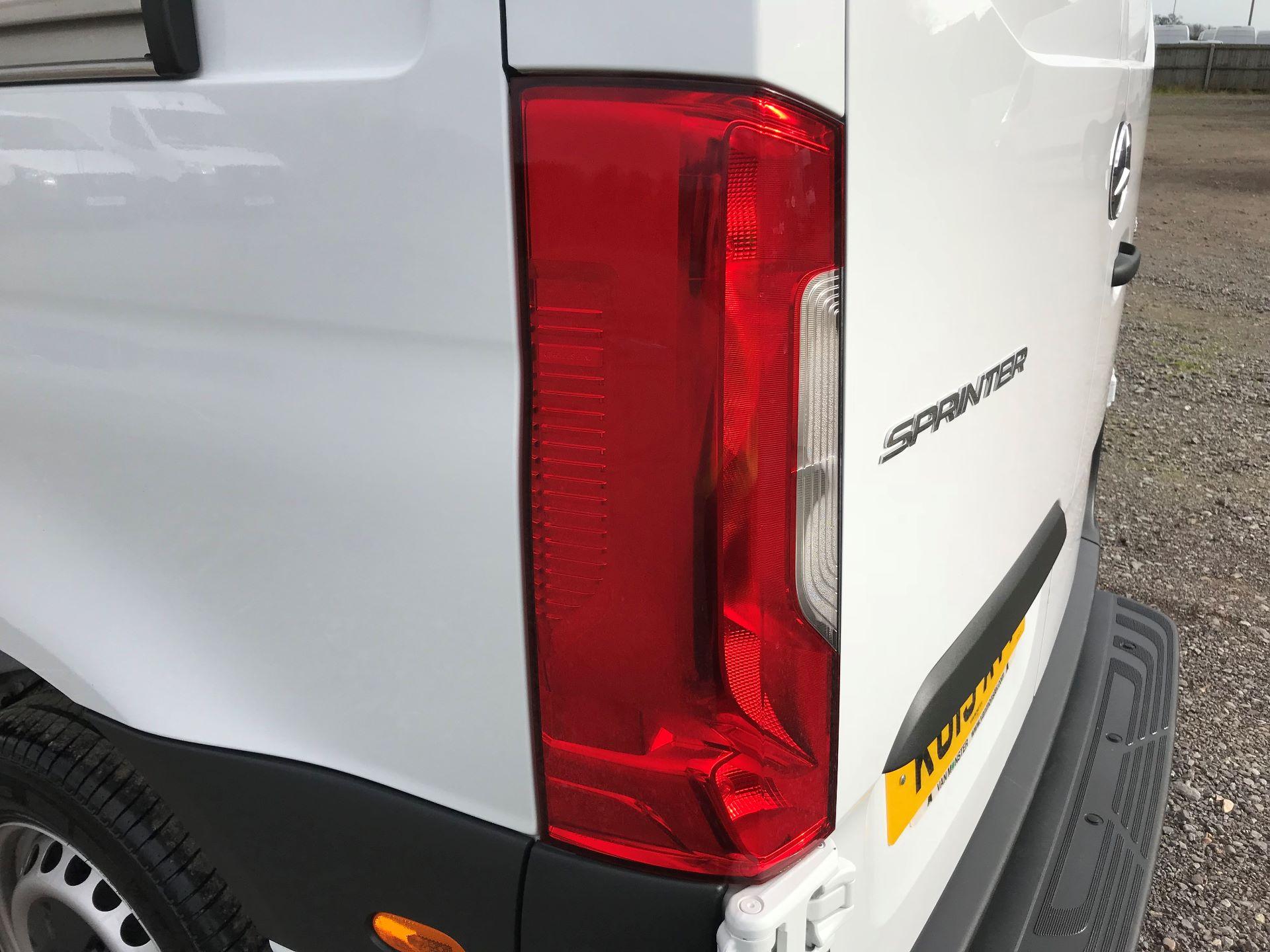 2019 Mercedes-Benz Sprinter 3.5T L2 H2 FWD Van (KO19AVV) Image 31