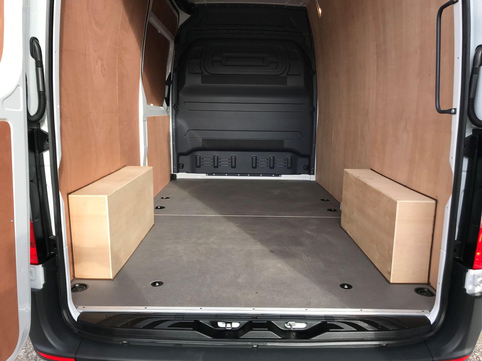 2019 Mercedes-Benz Sprinter 3.5T L2 H2 FWD Van (KO19AVV) Image 12