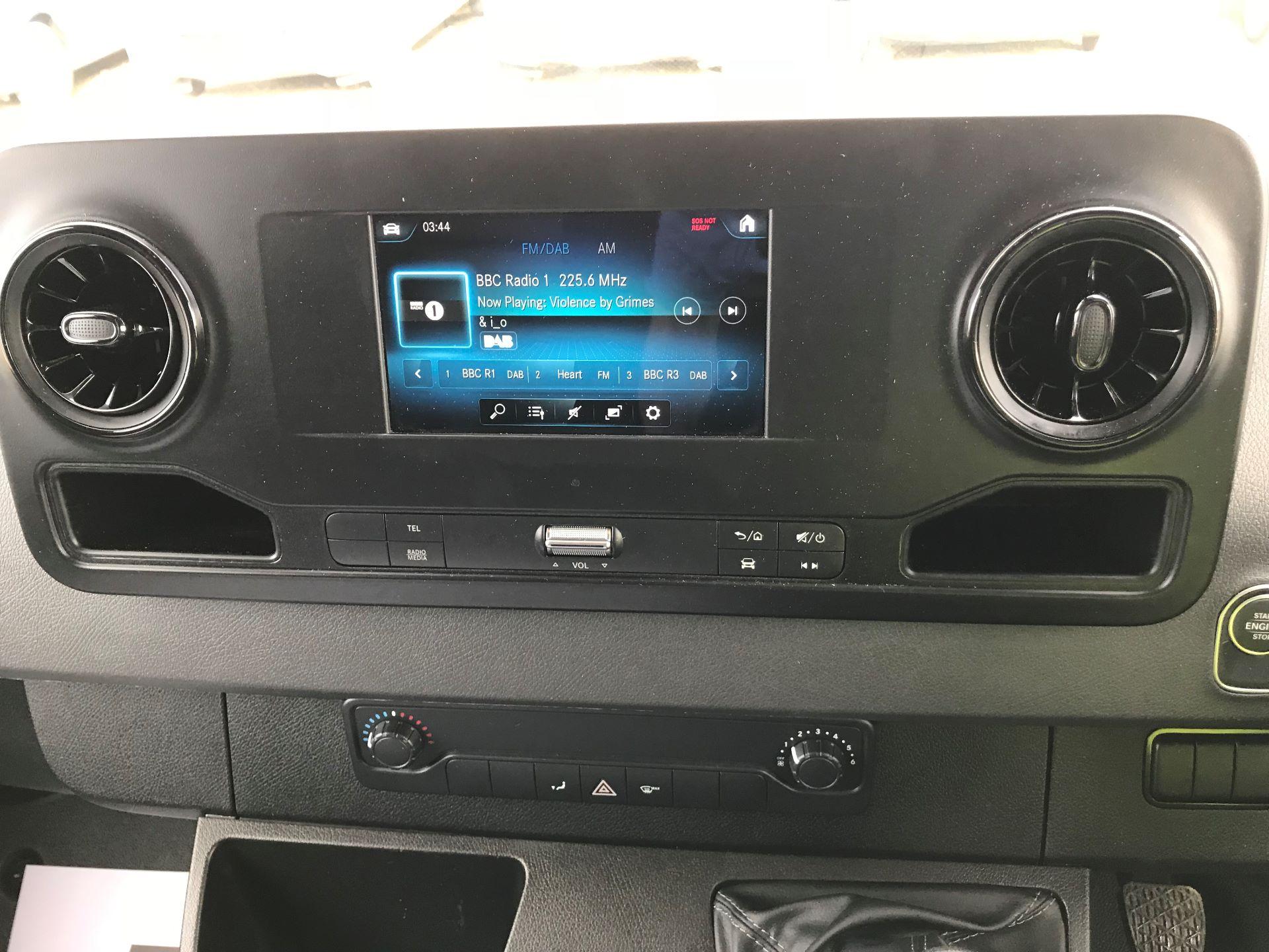 2019 Mercedes-Benz Sprinter 3.5T L2 H2 FWD Van (KO19AVV) Image 22