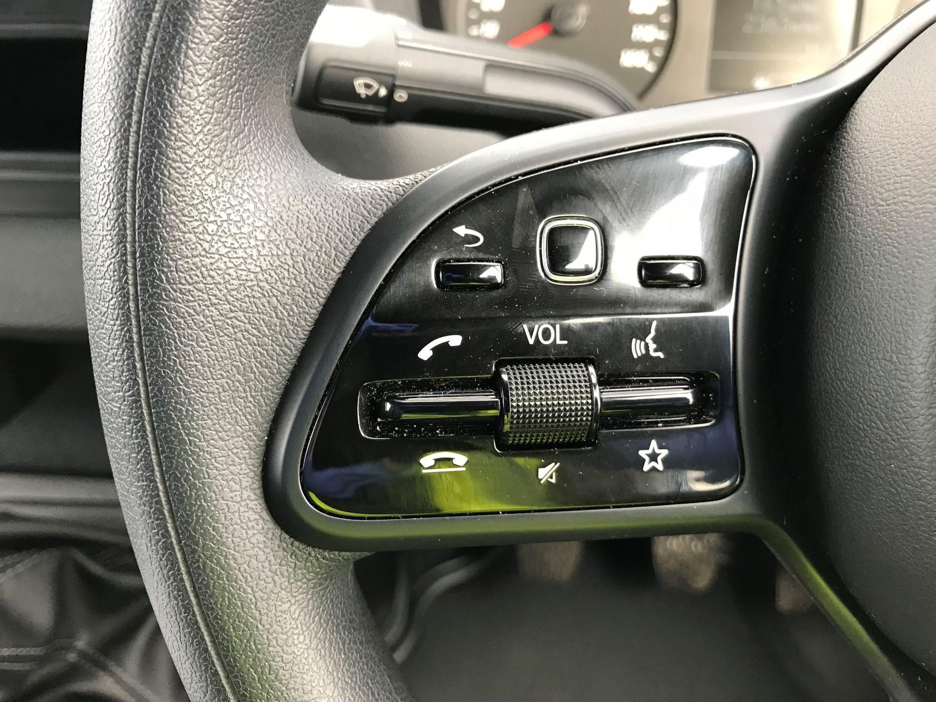 2019 Mercedes-Benz Sprinter 3.5T L2 H2 FWD Van (KO19AVV) Image 19