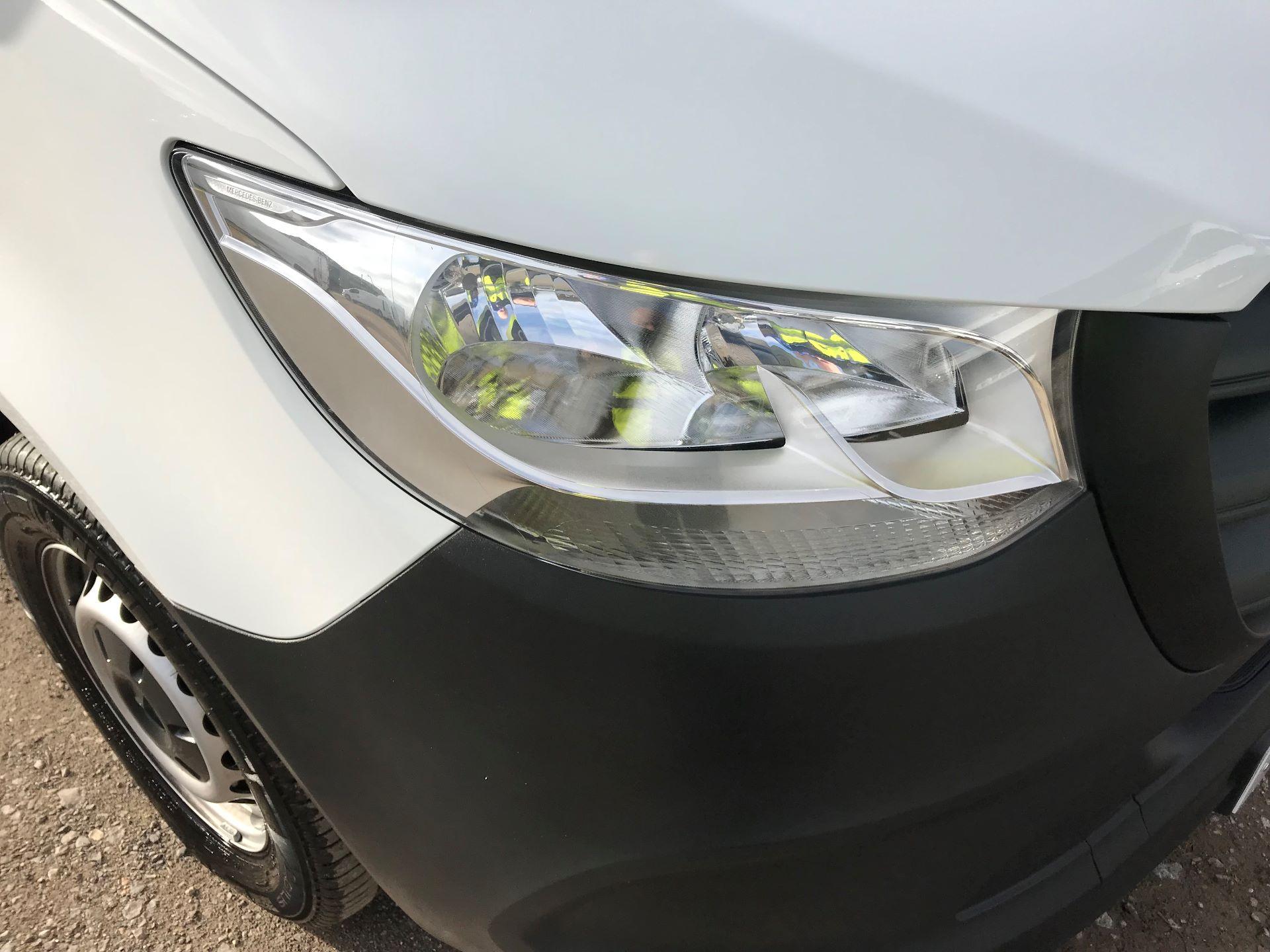 2019 Mercedes-Benz Sprinter 3.5T L2 H2 FWD Van (KO19AVV) Image 27