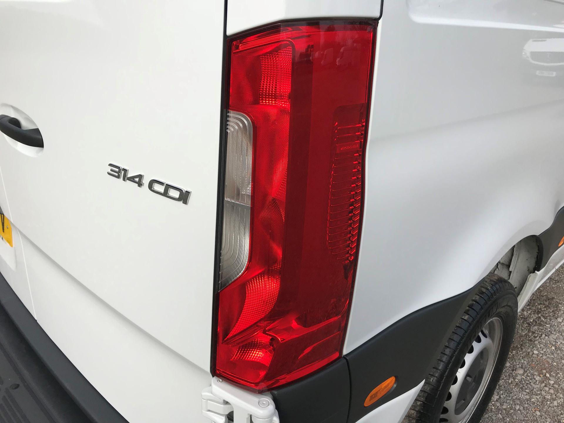 2019 Mercedes-Benz Sprinter 3.5T L2 H2 FWD Van (KO19AVV) Image 32