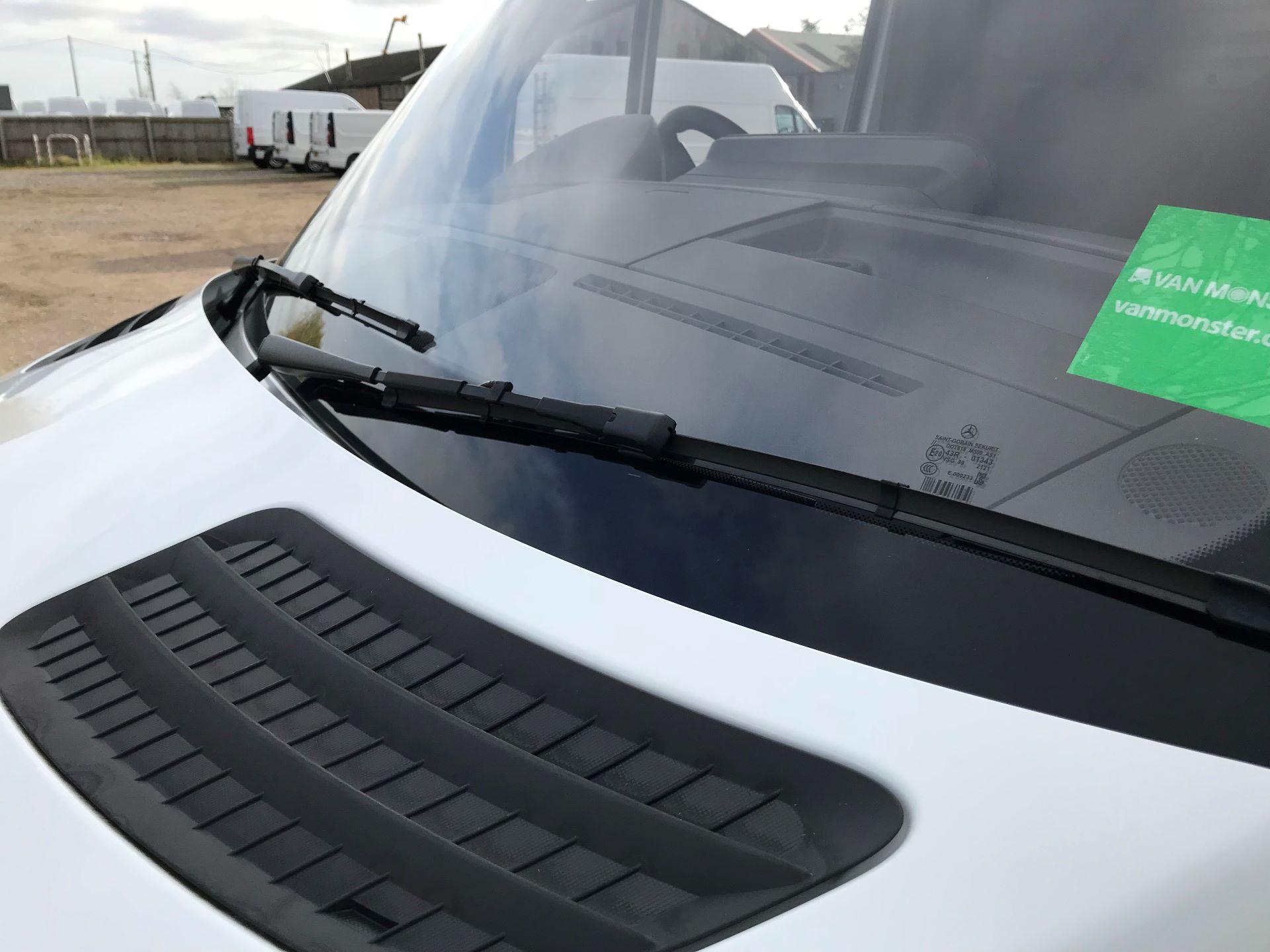 2019 Mercedes-Benz Sprinter 3.5T L2 H2 FWD Van (KO19AVV) Image 29
