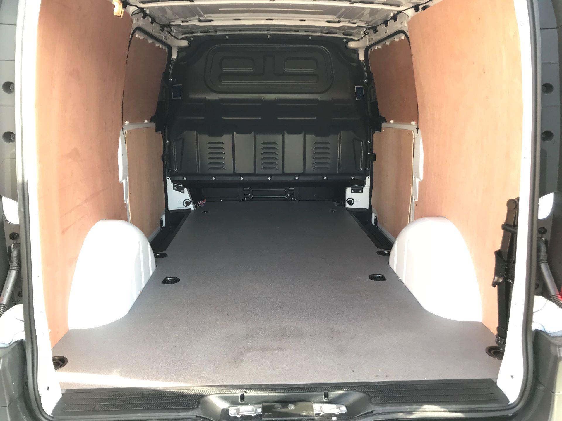 2019 Mercedes-Benz Vito 111Cdi Van (KO19AVW) Image 8