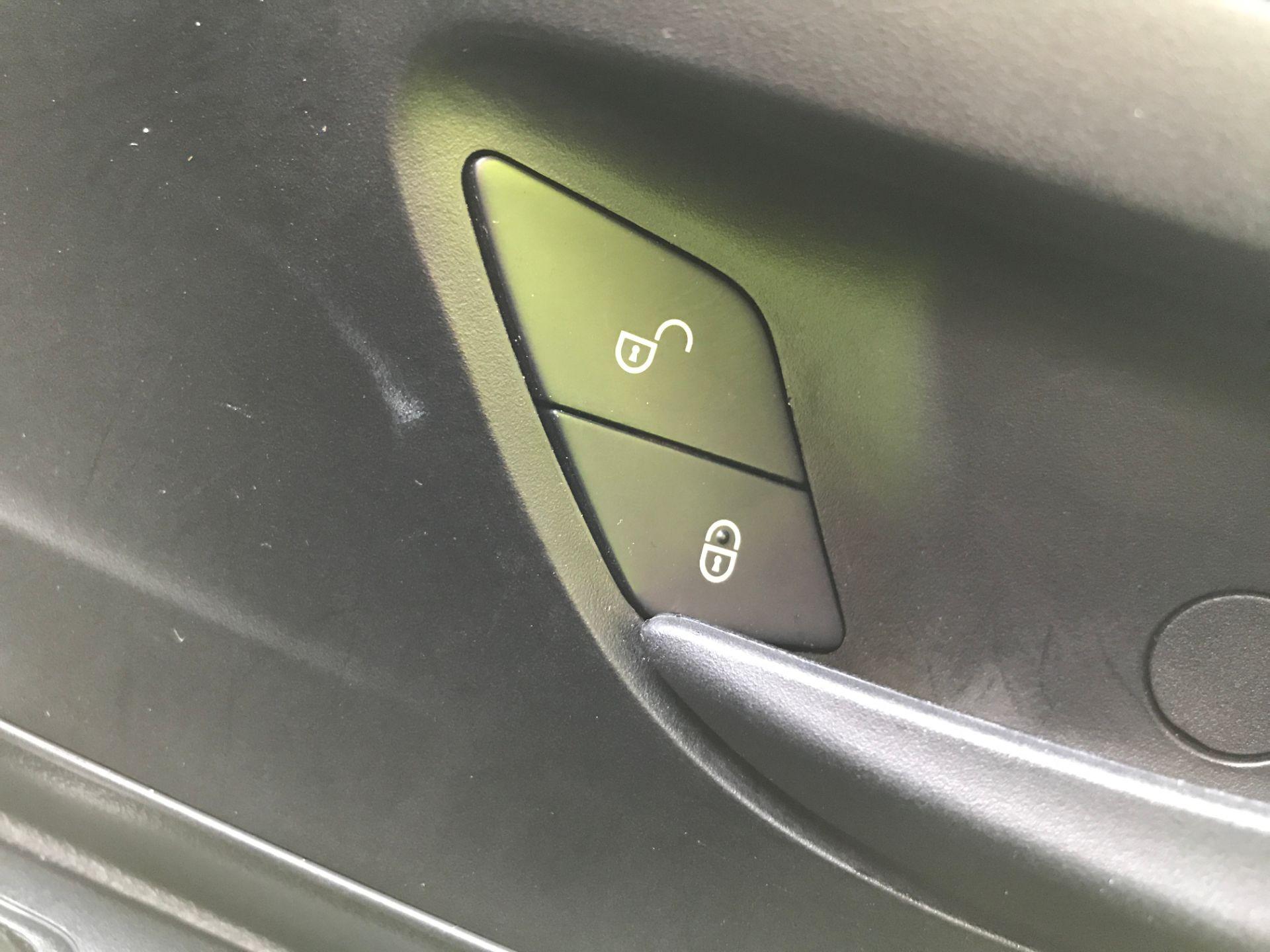 2019 Mercedes-Benz Vito 111CDI LWB 110PS EURO 6  (KO19AWC) Image 30