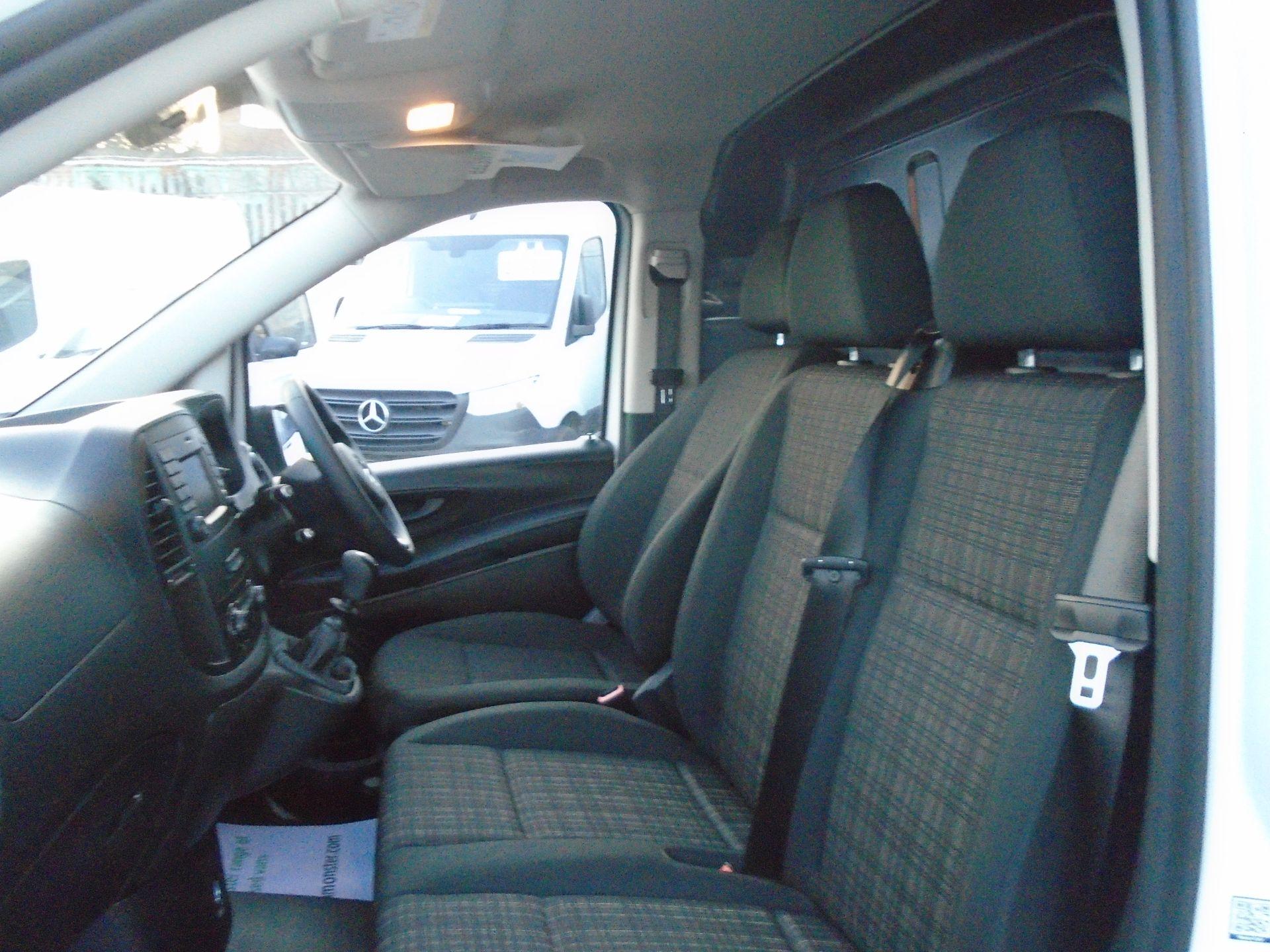 2019 Mercedes-Benz Vito 111Cdi Van (KO19AXZ) Image 18