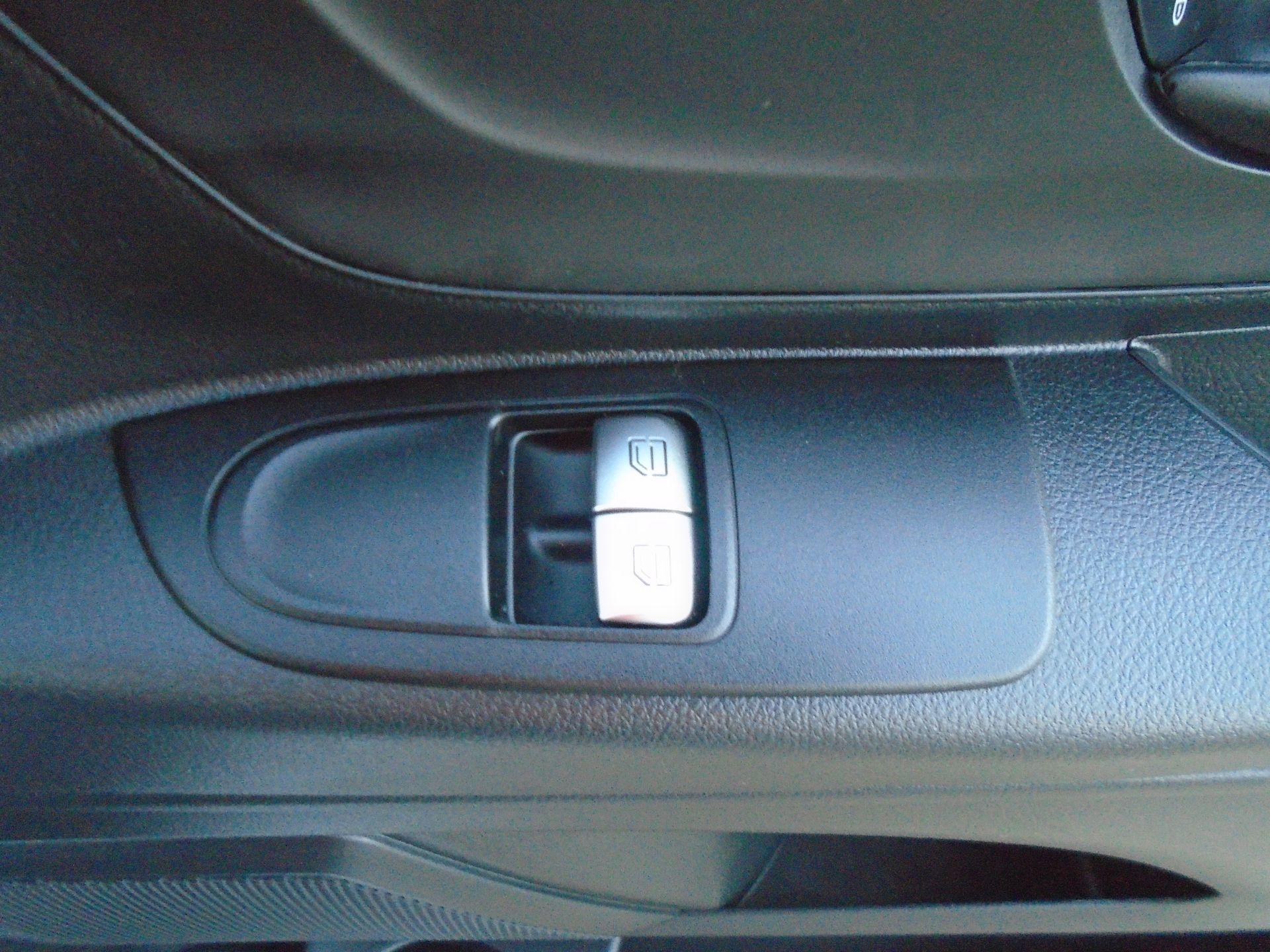 2019 Mercedes-Benz Vito 111Cdi Van (KO19AXZ) Image 31