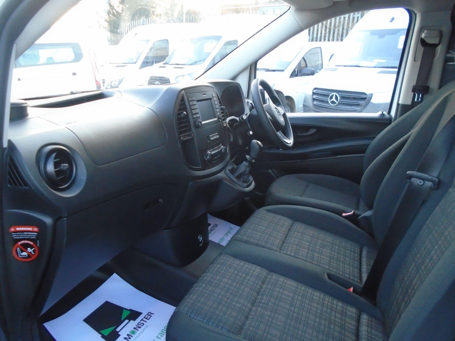 2019 Mercedes-Benz Vito 111Cdi Van (KO19AXZ) Image 17