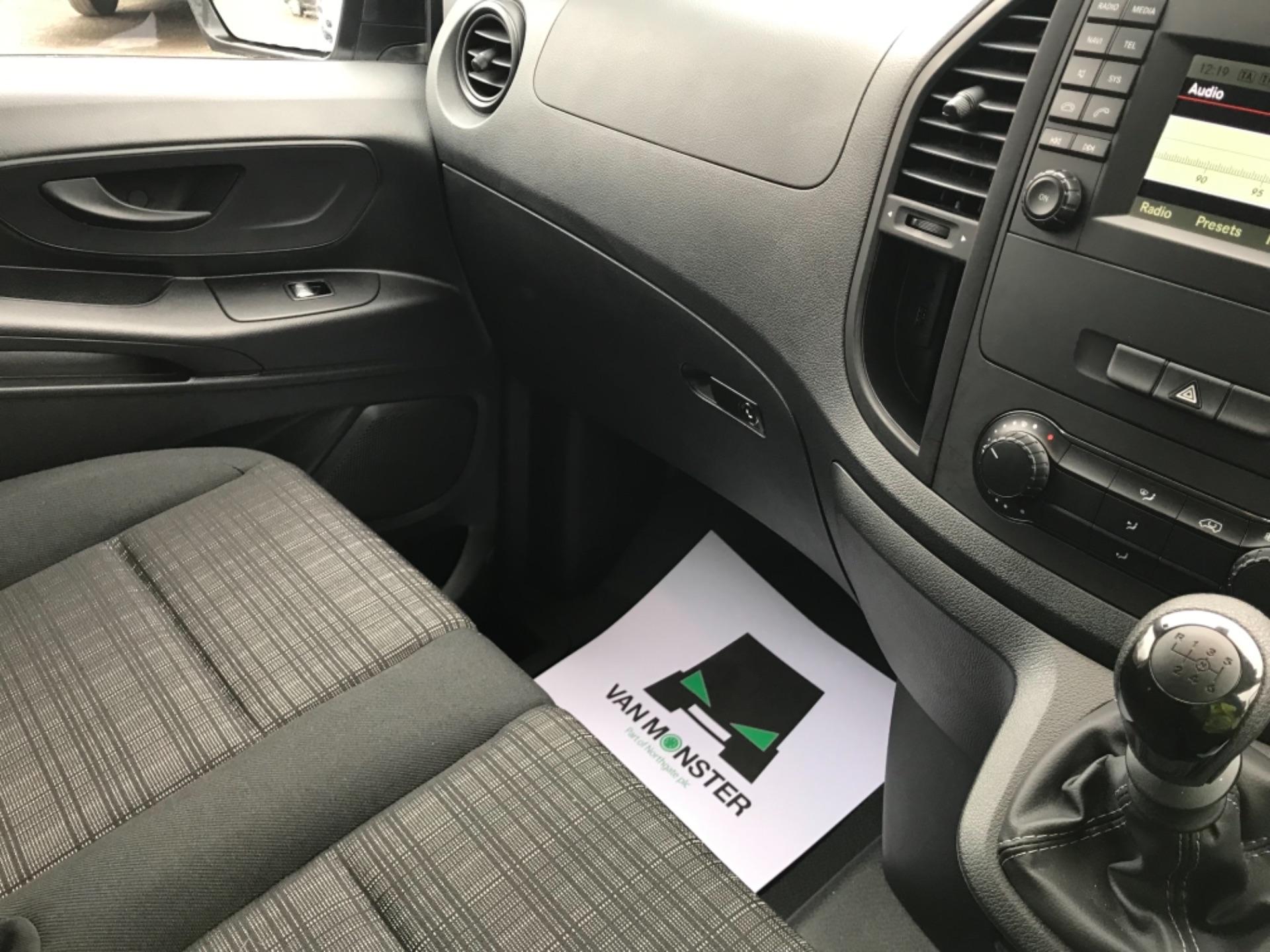 2019 Mercedes-Benz Vito LONG 111CDI VAN EURO 6  (KO19AYF) Image 12