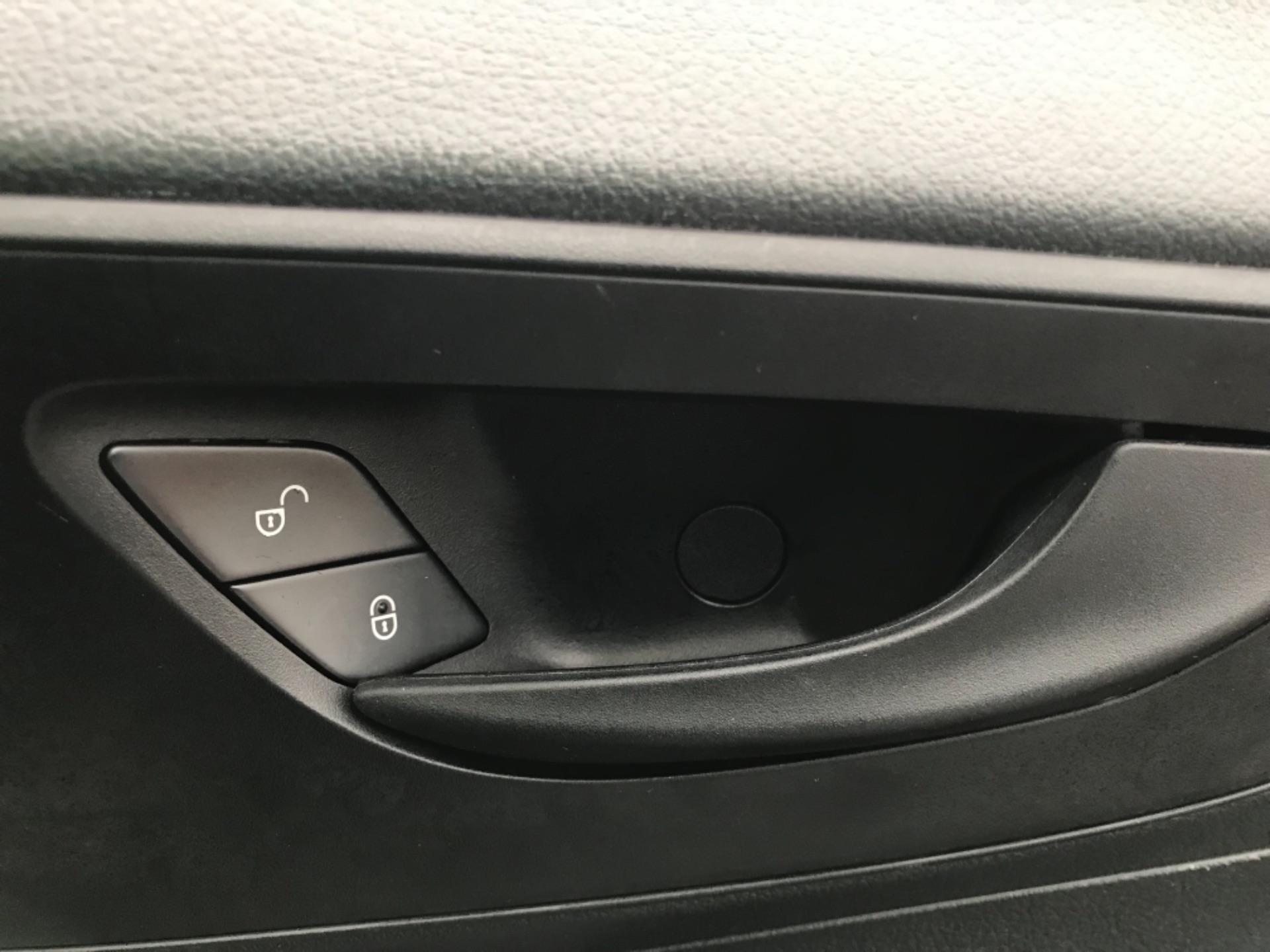 2019 Mercedes-Benz Vito LONG 111CDI VAN EURO 6  (KO19AYF) Image 22