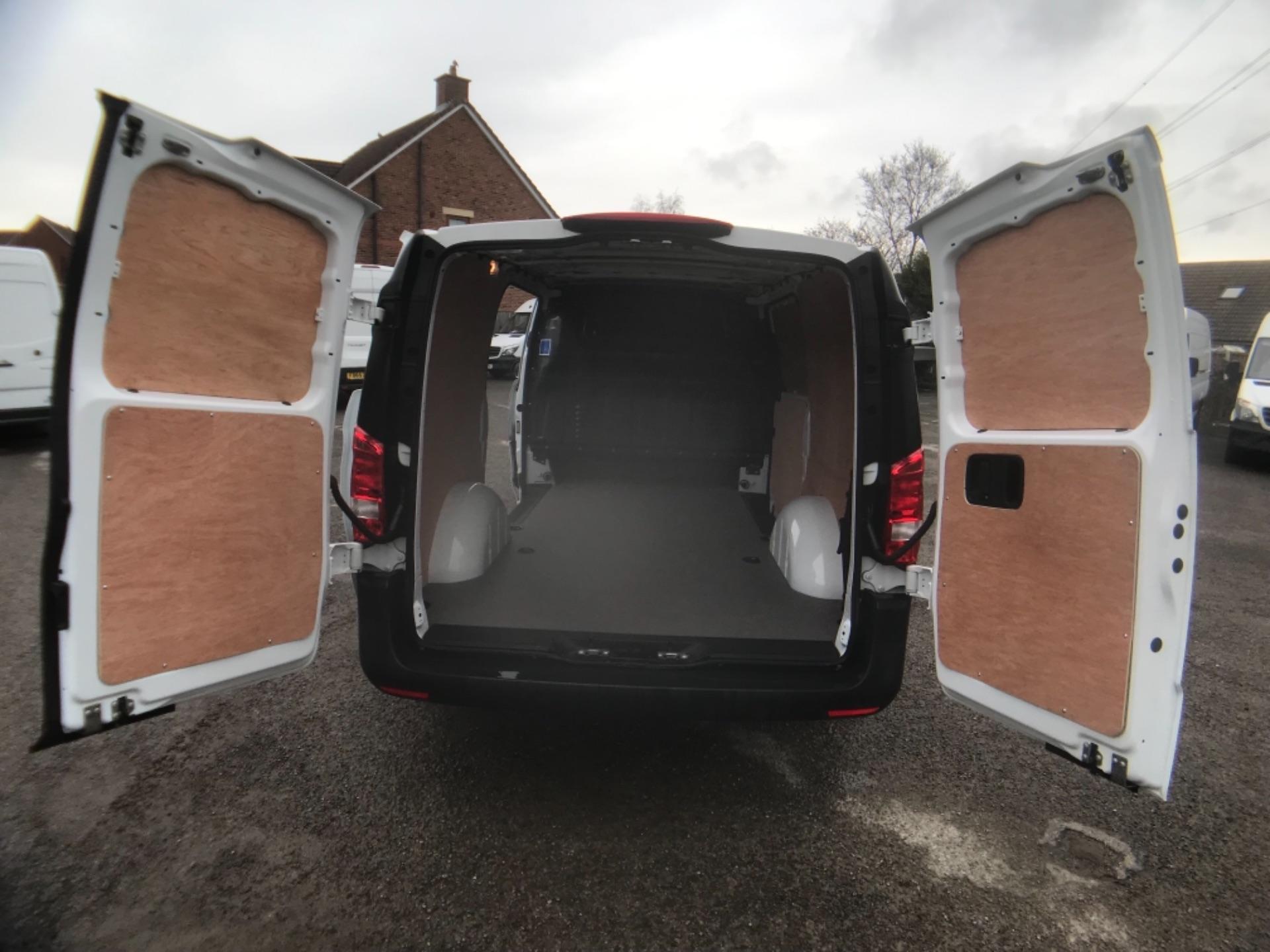2019 Mercedes-Benz Vito LONG 111CDI VAN EURO 6  (KO19AYF) Image 9