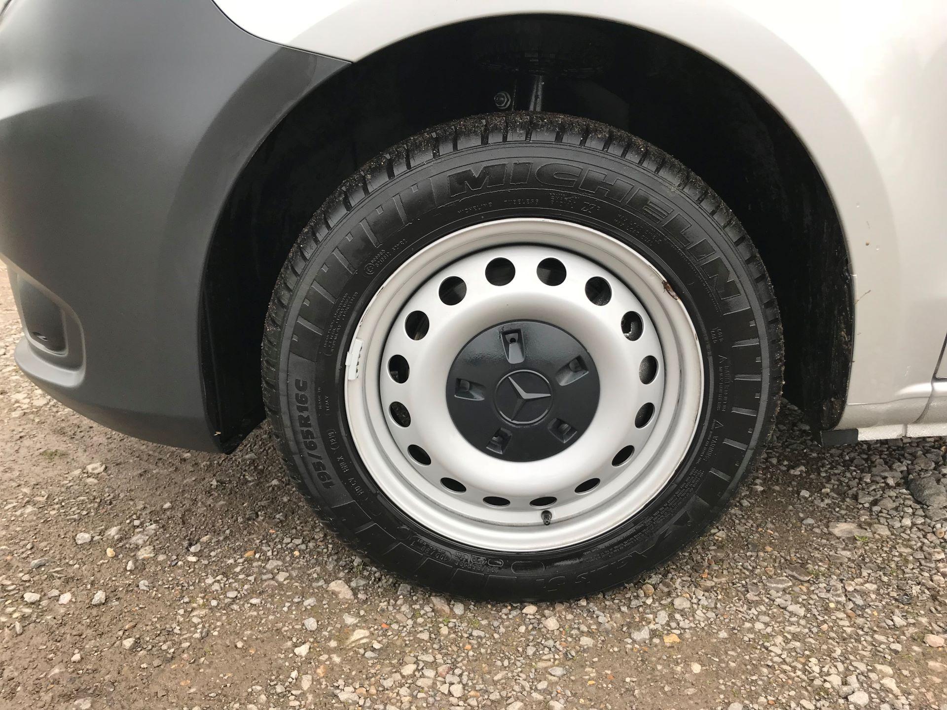 2019 Mercedes-Benz Vito 114Cdi Van (KO19AYT) Image 21