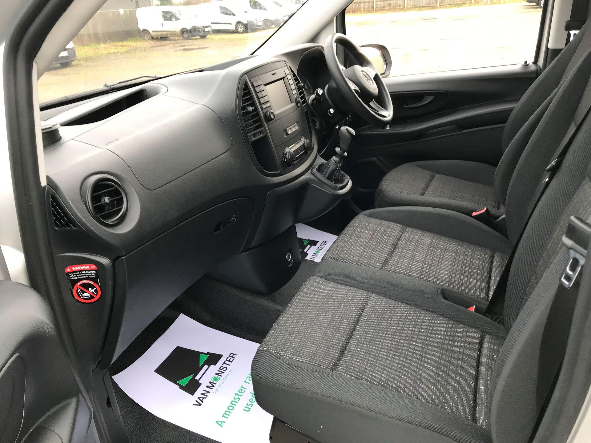 2019 Mercedes-Benz Vito 114Cdi Van (KO19AYT) Image 22