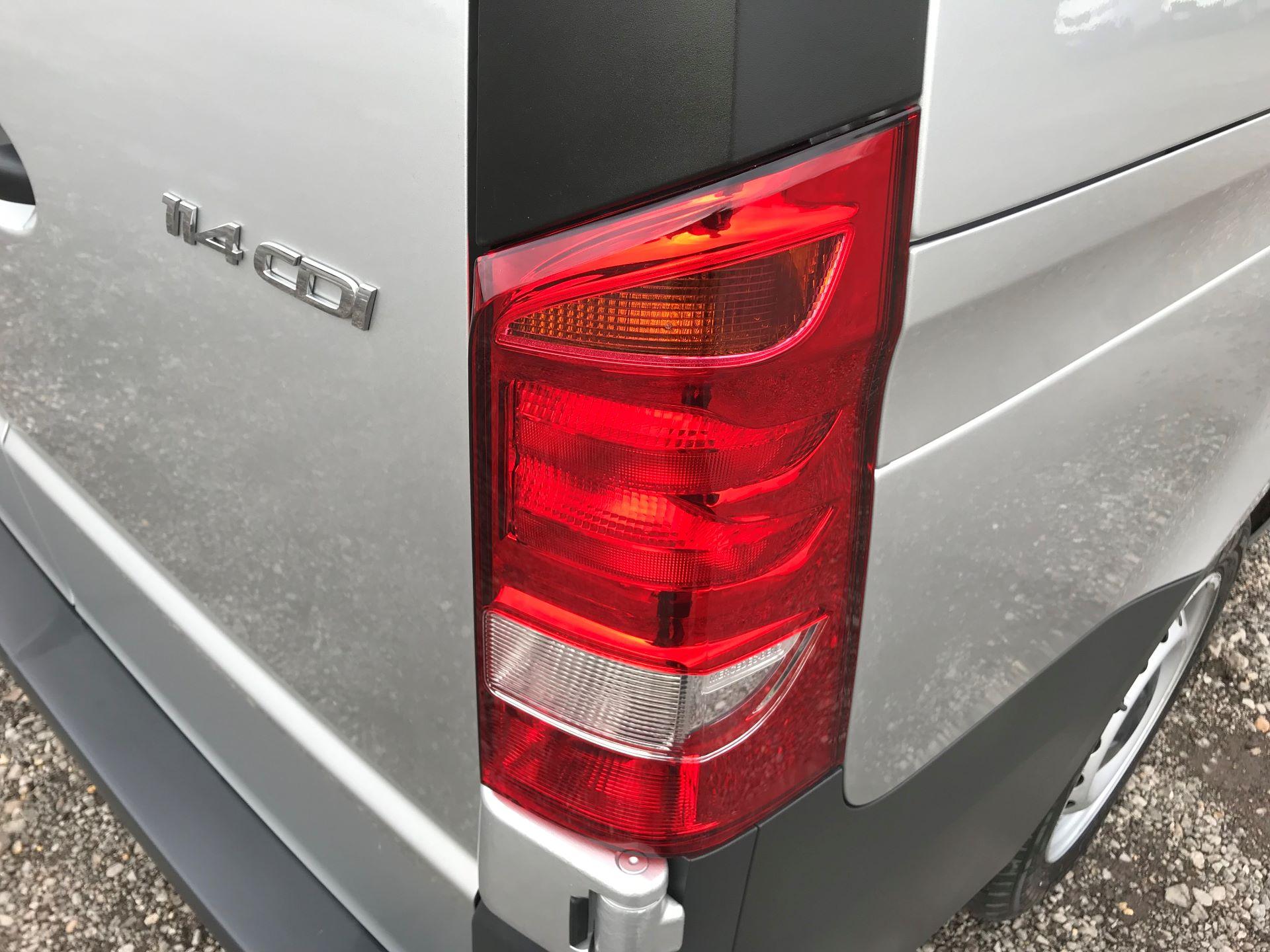 2019 Mercedes-Benz Vito 114Cdi Van (KO19AYT) Image 17