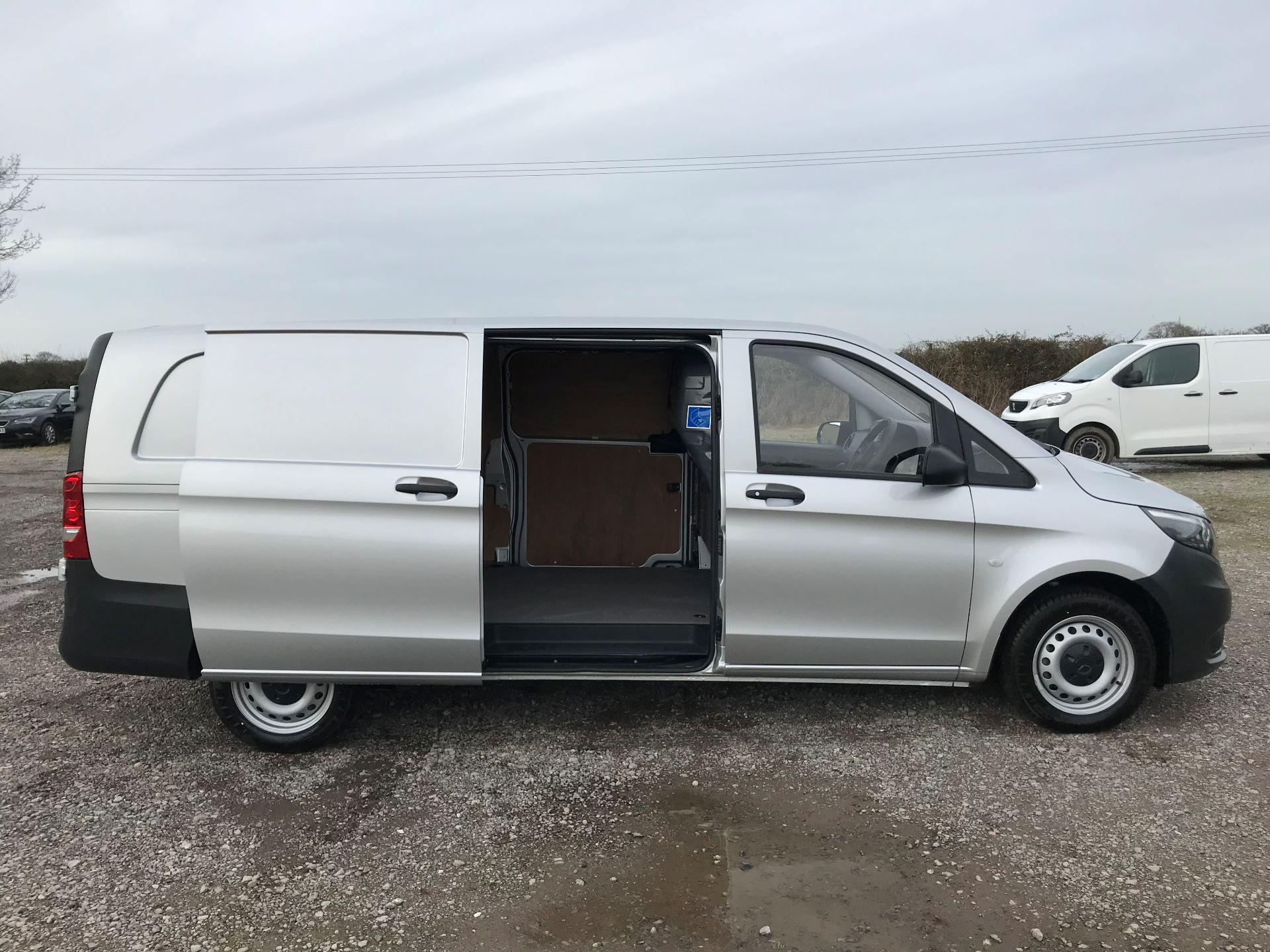 2019 Mercedes-Benz Vito 114Cdi Van (KO19AYT) Image 10