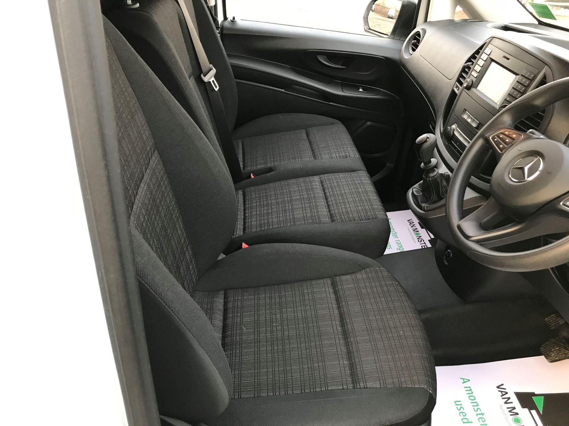 2019 Mercedes-Benz Vito 114Cdi Van (KO19BBF) Image 24