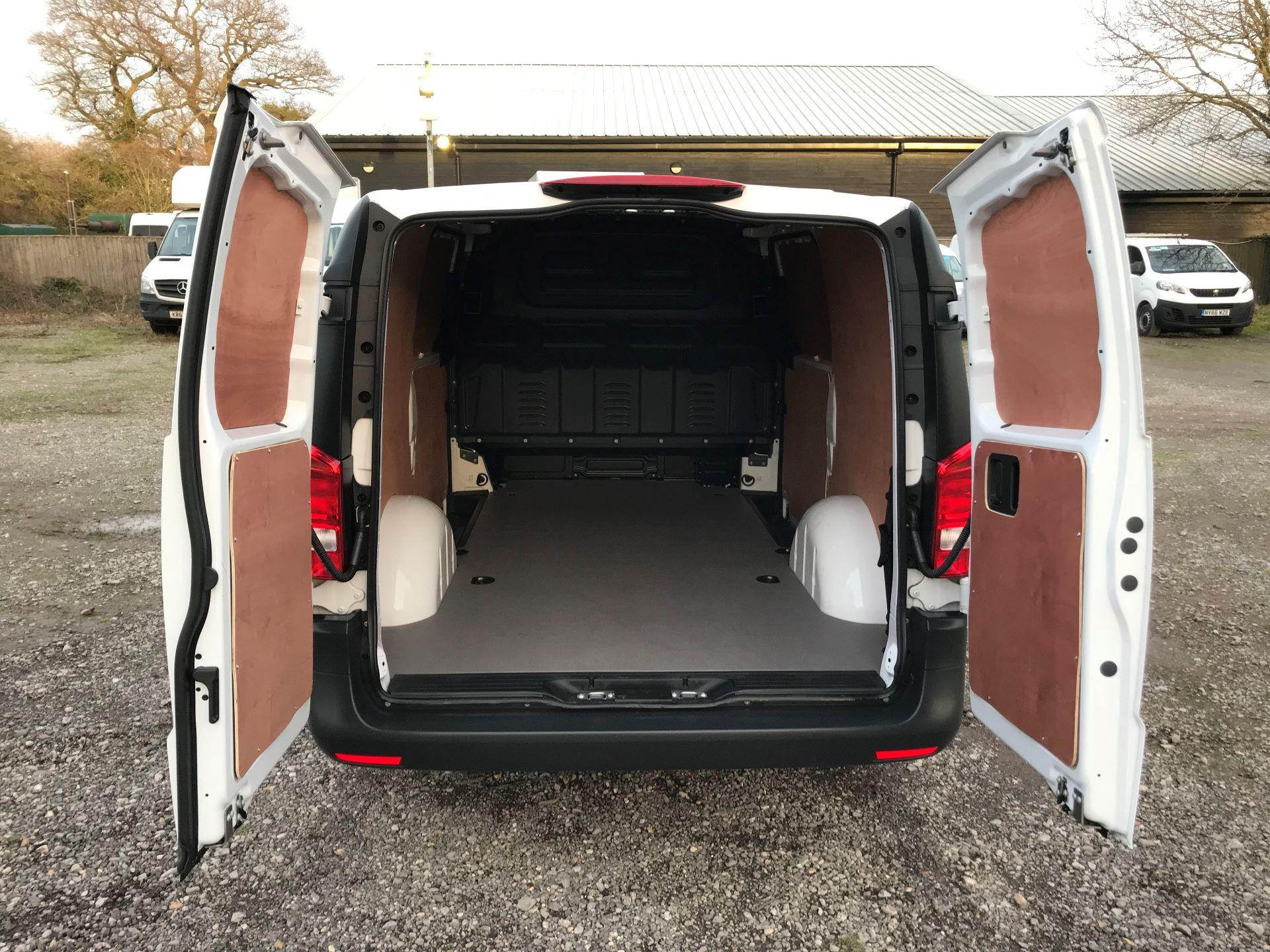 2019 Mercedes-Benz Vito 114Cdi Van (KO19BBF) Image 7