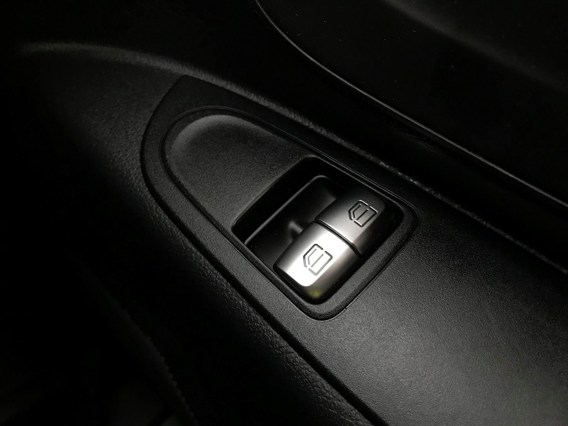 2019 Mercedes-Benz Vito 114Cdi Van (KO19BBF) Image 31