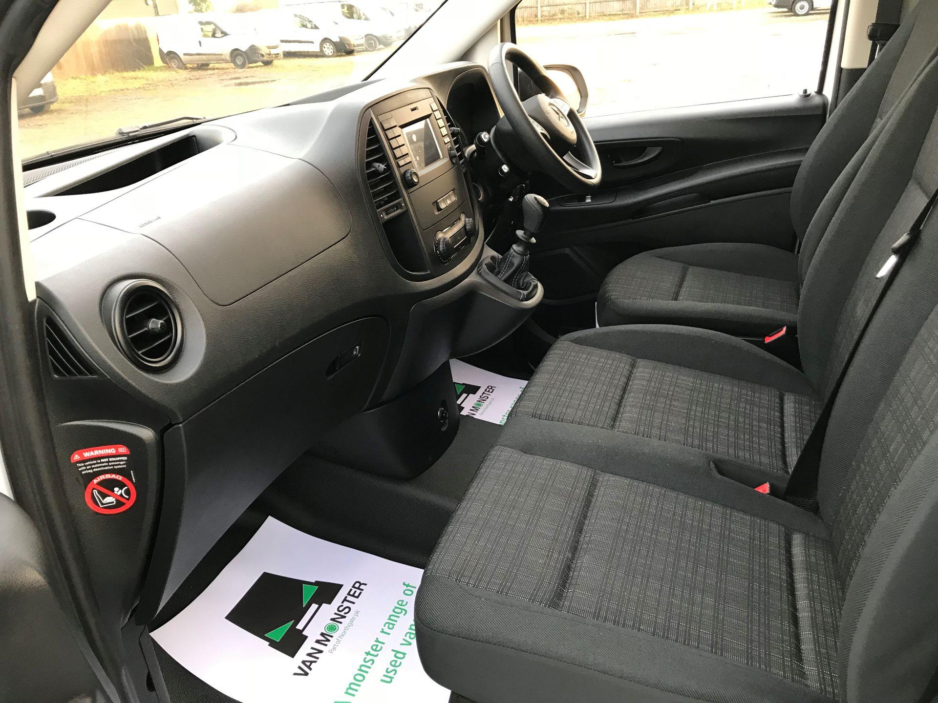 2019 Mercedes-Benz Vito 114Cdi Van (KO19BBF) Image 22