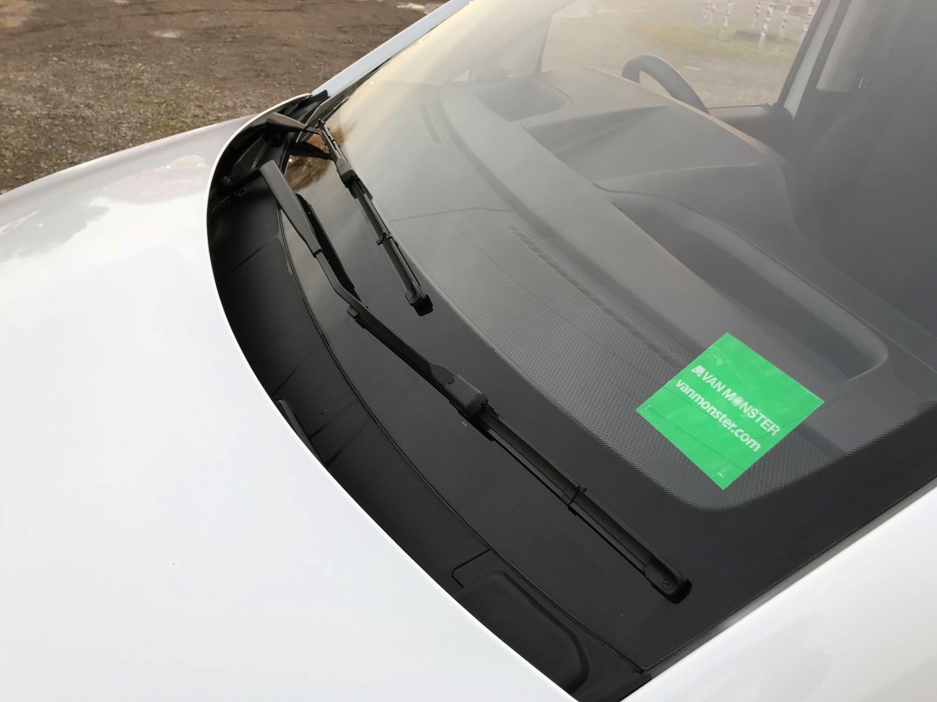 2019 Mercedes-Benz Vito 114Cdi Van (KO19BBF) Image 20