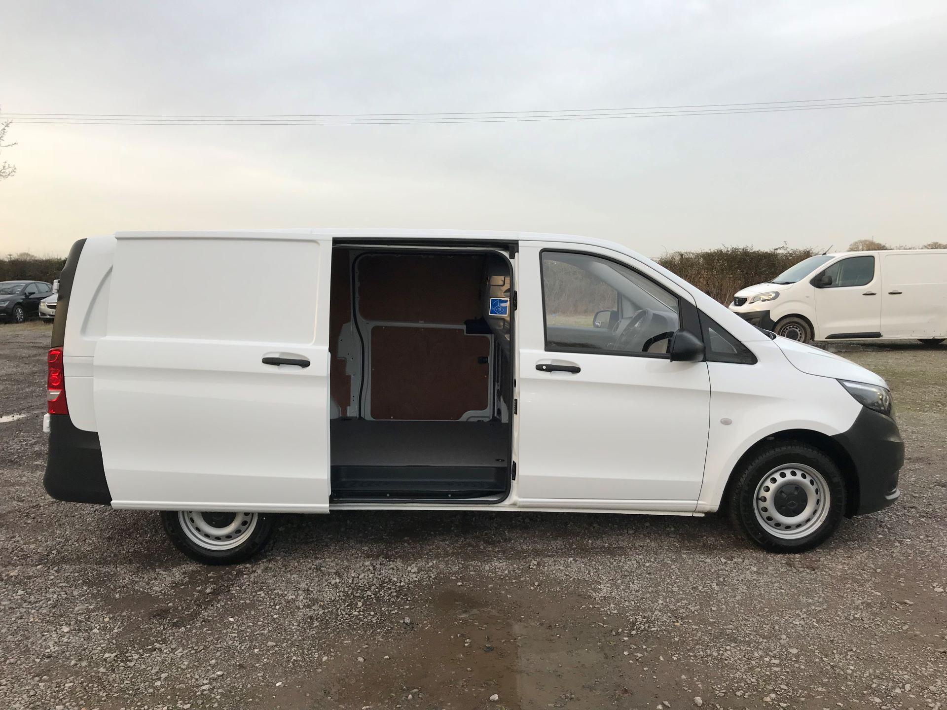 2019 Mercedes-Benz Vito 114Cdi Van (KO19BBF) Image 10