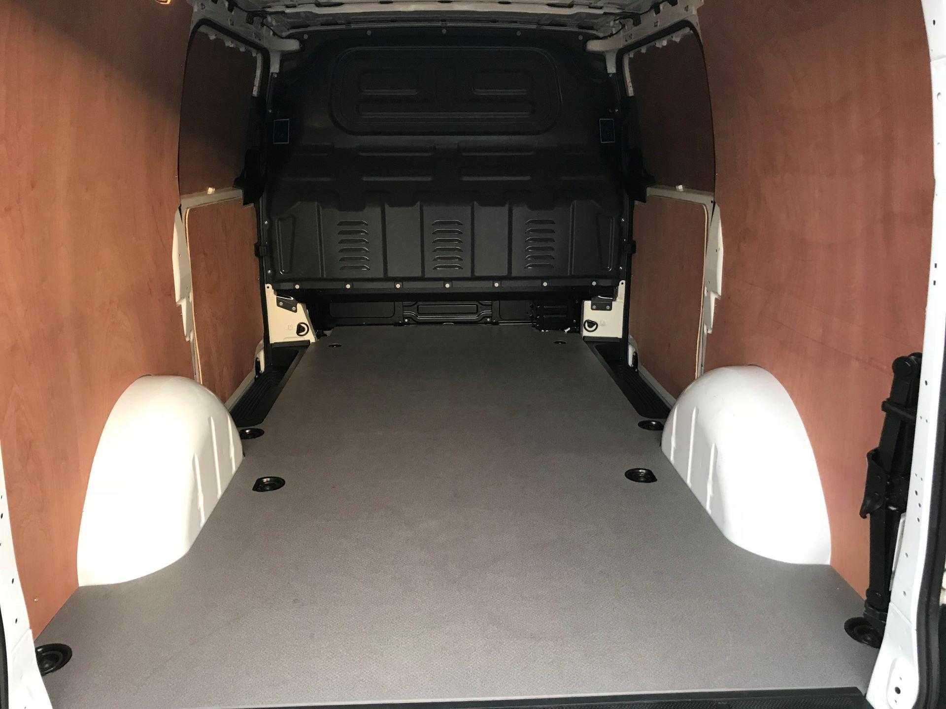 2019 Mercedes-Benz Vito 114Cdi Van (KO19BBF) Image 8