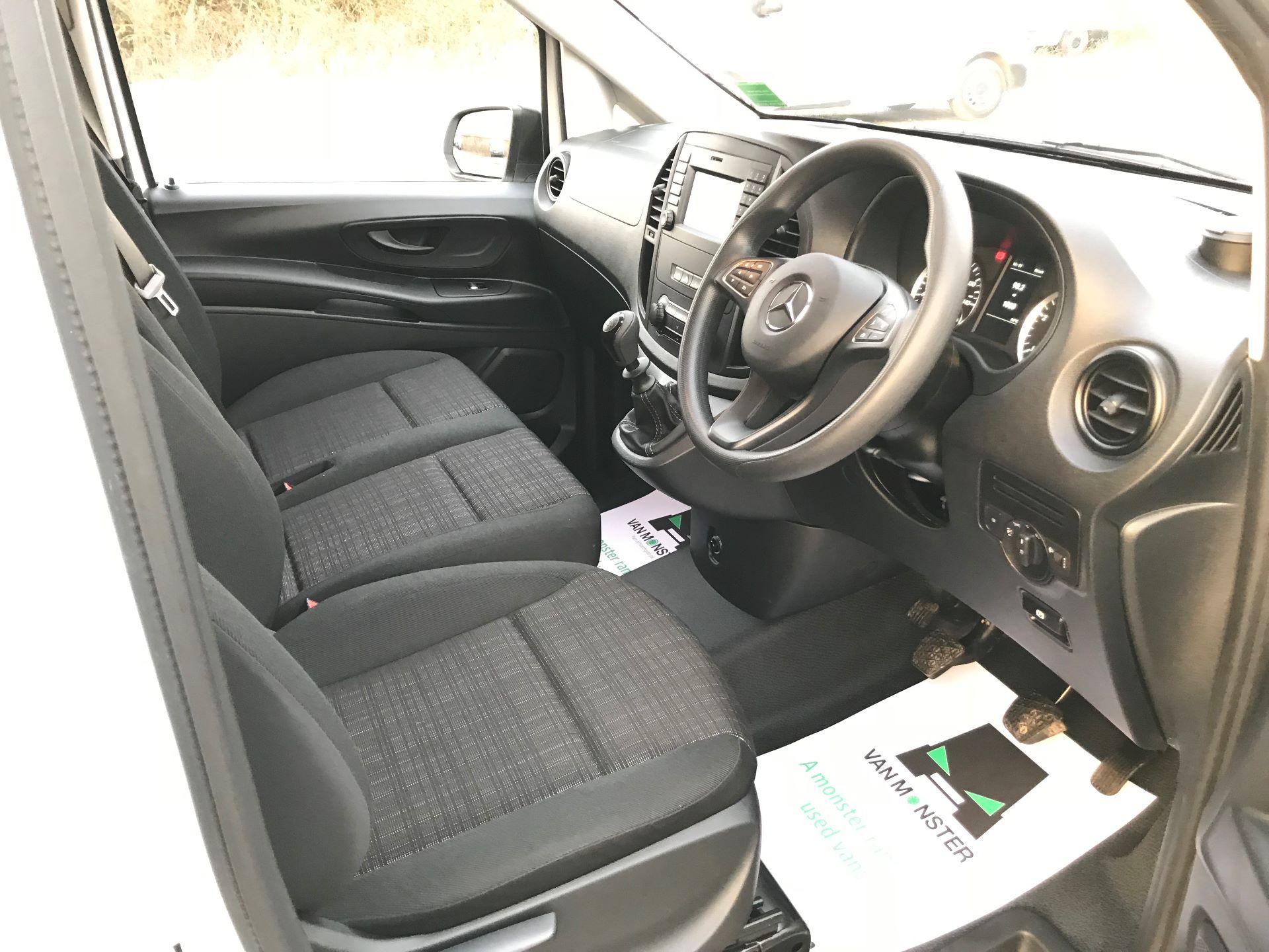 2019 Mercedes-Benz Vito 114Cdi Van (KO19BBF) Image 23