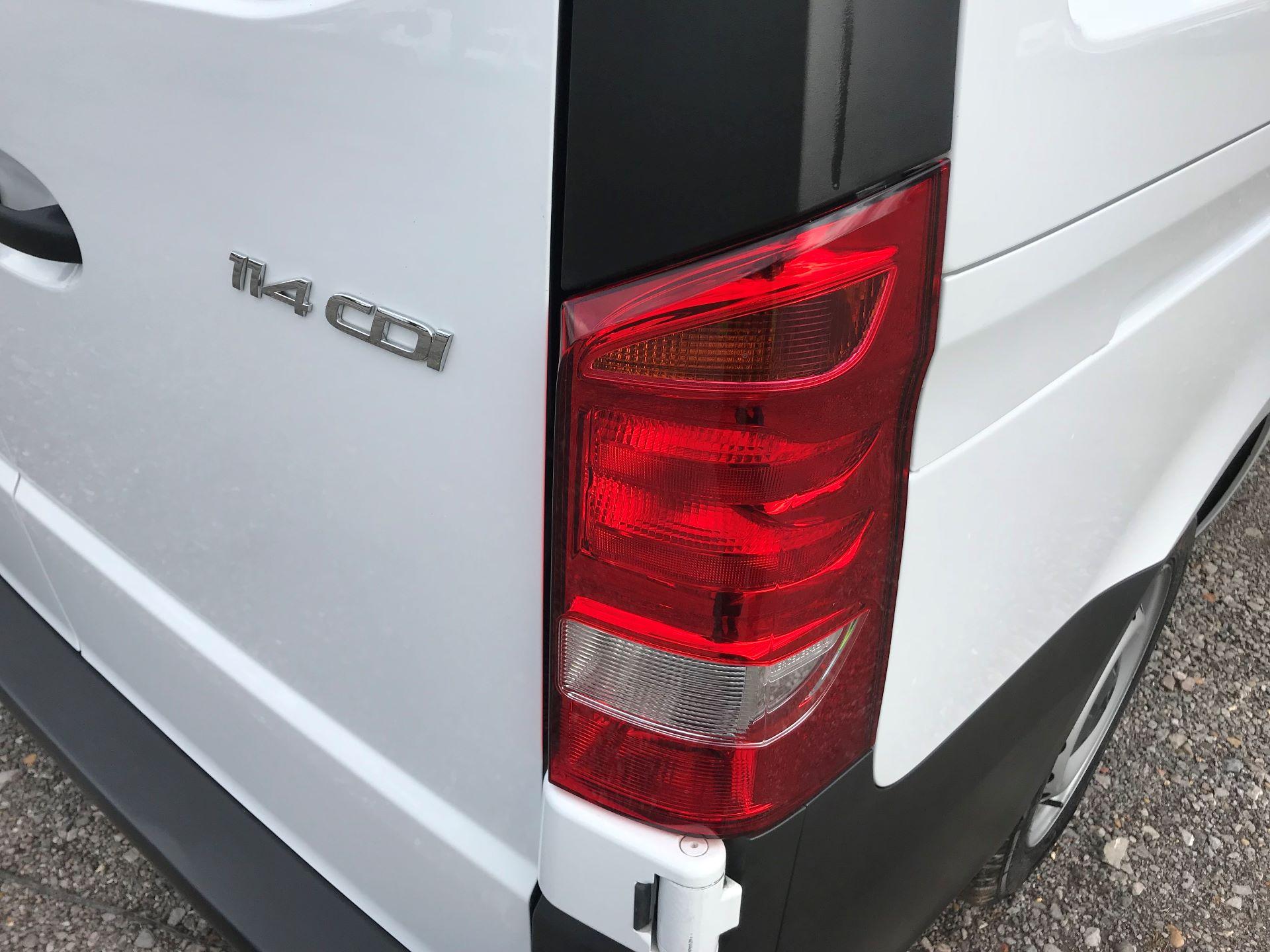 2019 Mercedes-Benz Vito 114Cdi Van (KO19BBJ) Image 17