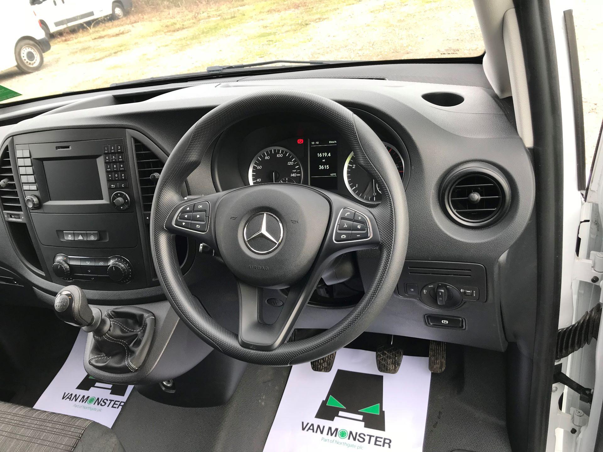 2019 Mercedes-Benz Vito 114Cdi Van (KO19BBJ) Image 25