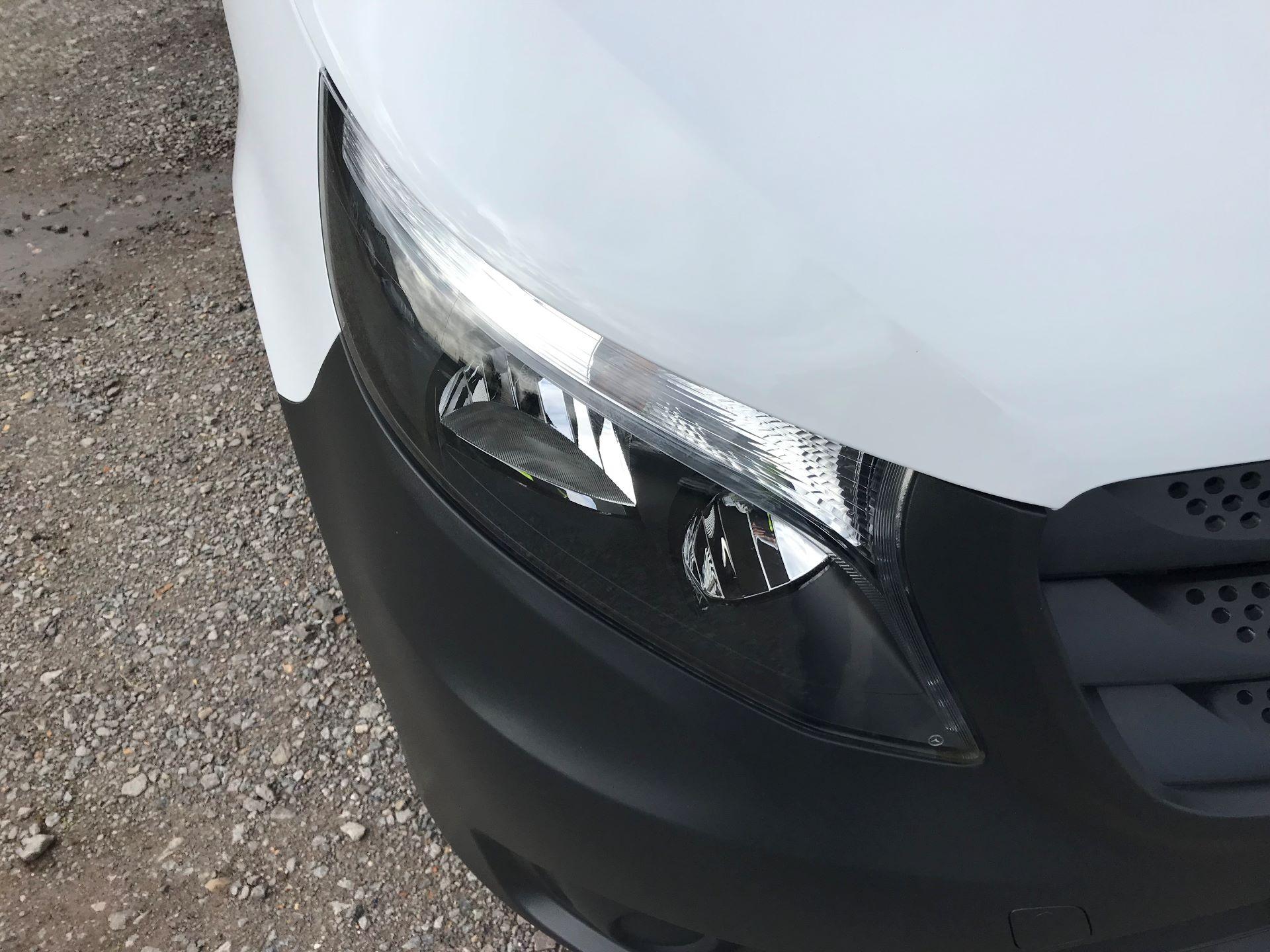 2019 Mercedes-Benz Vito 114Cdi Van (KO19BBJ) Image 18