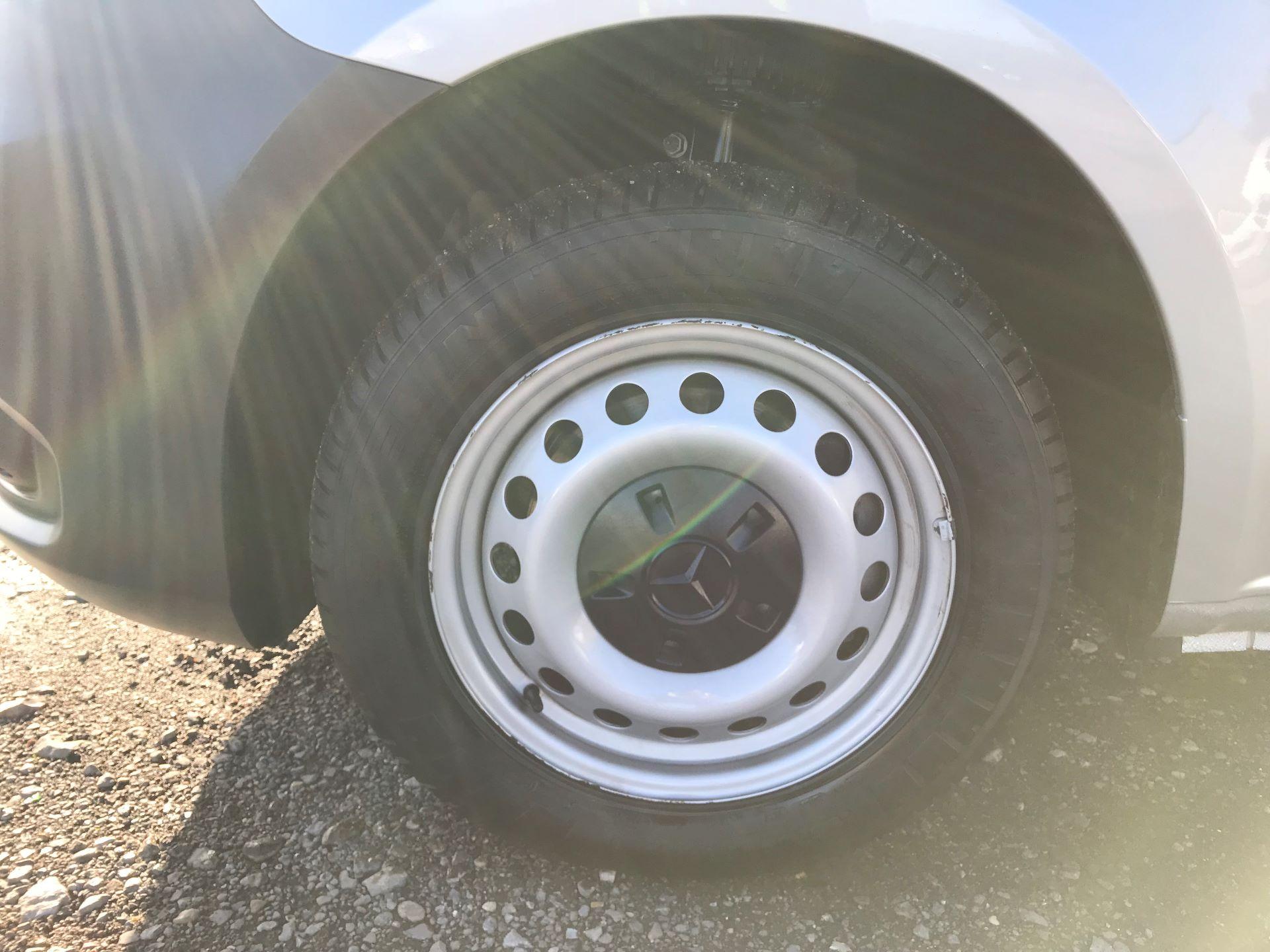 2019 Mercedes-Benz Vito 114Cdi Van (KO19BDE) Image 21