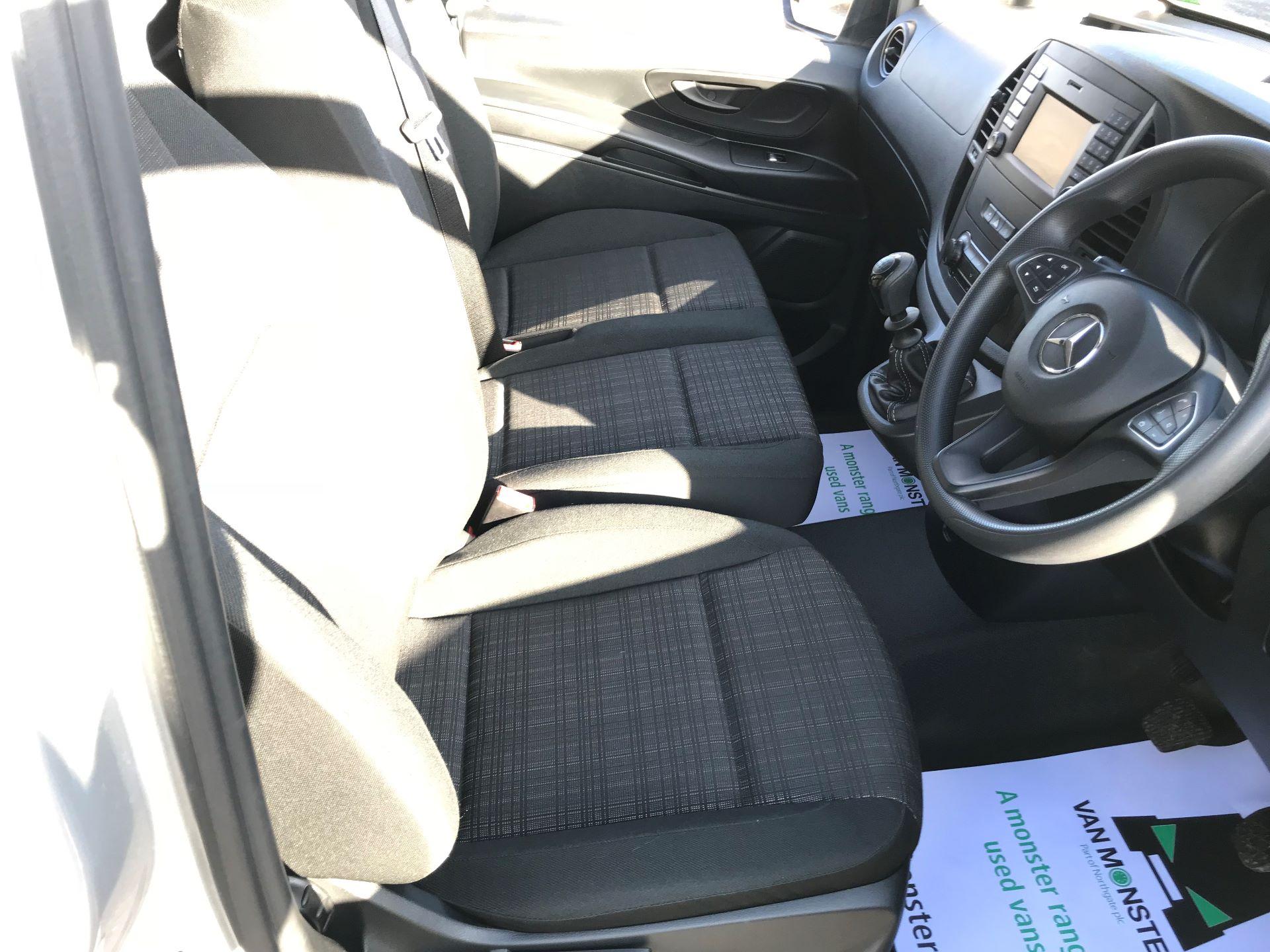 2019 Mercedes-Benz Vito 114Cdi Van (KO19BDE) Image 24